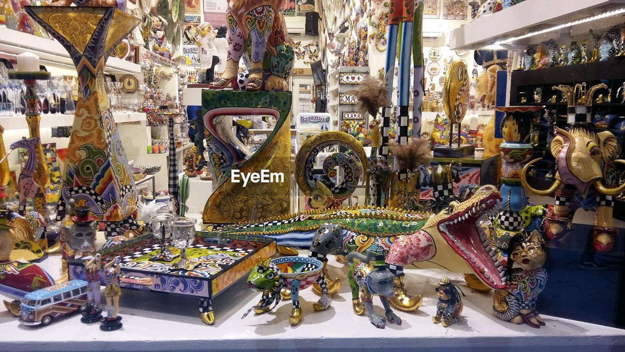 retail, for sale, souvenir, variation, store, market, large group of objects, indoors, choice, day, no people, carousel