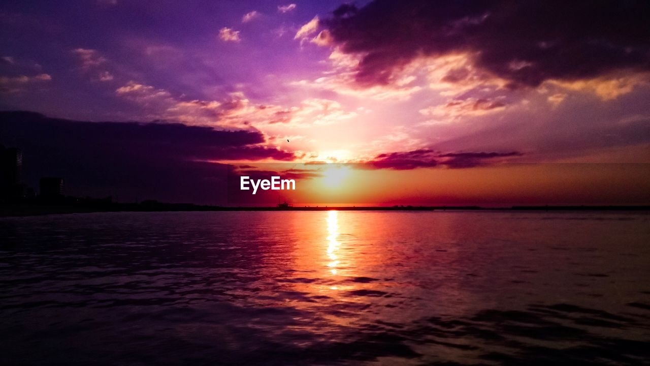 sky, sunset, scenics - nature, beauty in nature, cloud - sky, water, tranquil scene, tranquility, sea, orange color, idyllic, sun, horizon, horizon over water, no people, nature, waterfront, reflection, sunlight, outdoors, romantic sky