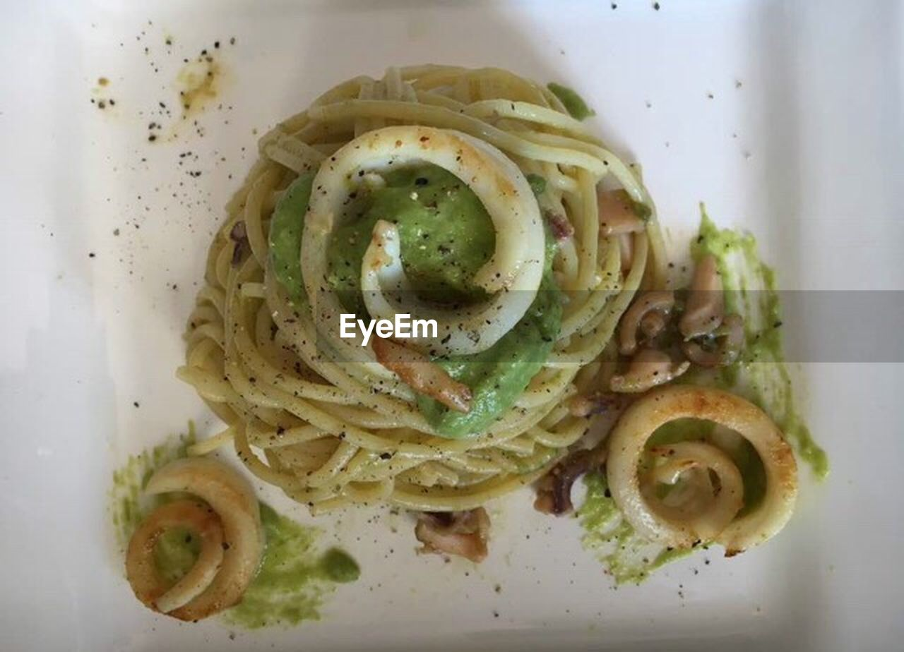 freshness, food and drink, italian food, ready-to-eat, food, indoors, close-up, no people, healthy eating, directly above, plate, serving size, garnish, day