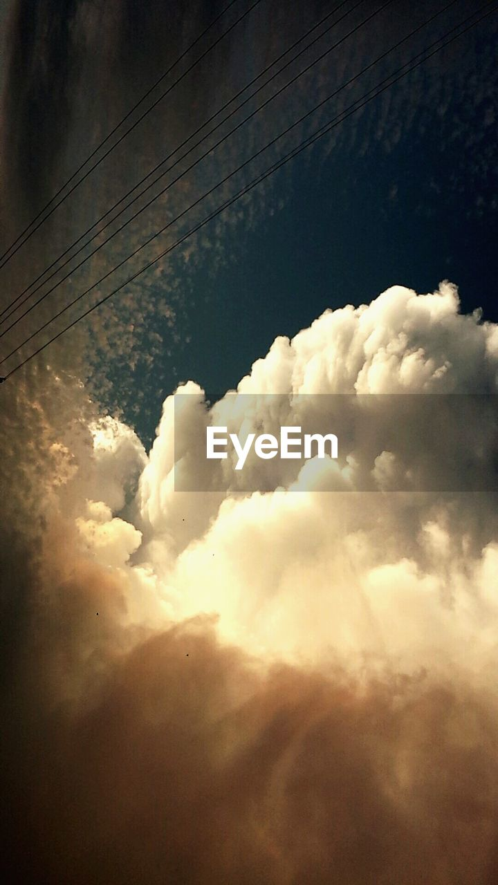 cloud - sky, sky, nature, cloudscape, no people, low angle view, beauty in nature, outdoors, day, scenics
