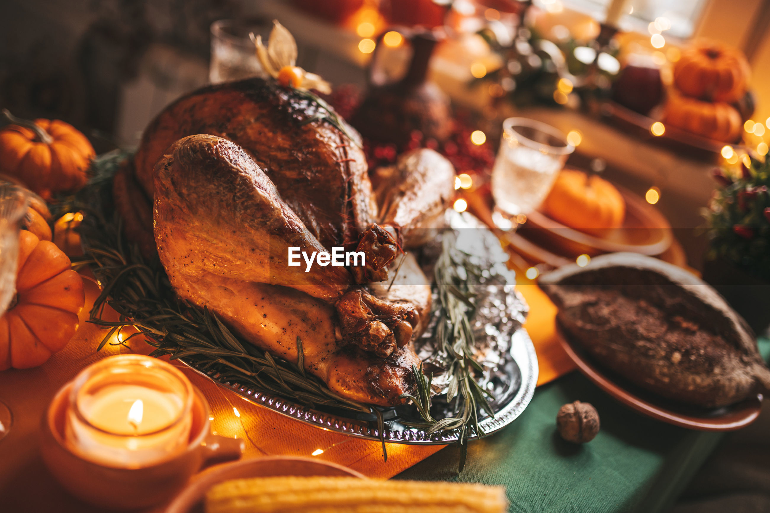 HIGH ANGLE VIEW OF FOOD IN CHRISTMAS