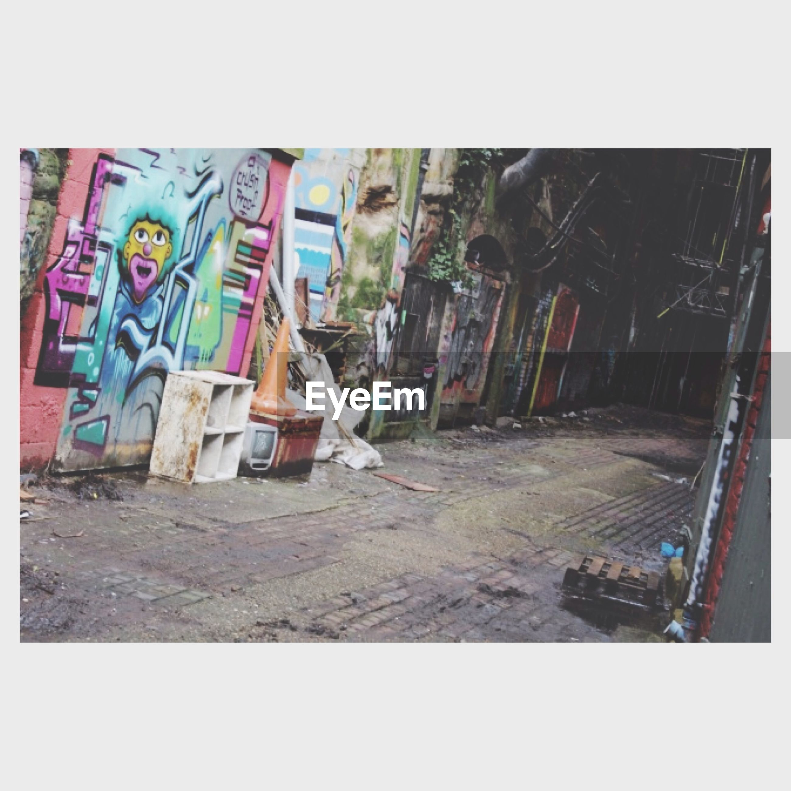 transfer print, auto post production filter, built structure, architecture, graffiti, building exterior, art, creativity, wall - building feature, art and craft, house, wall, day, abandoned, damaged, building, outdoors, window, residential structure, human representation