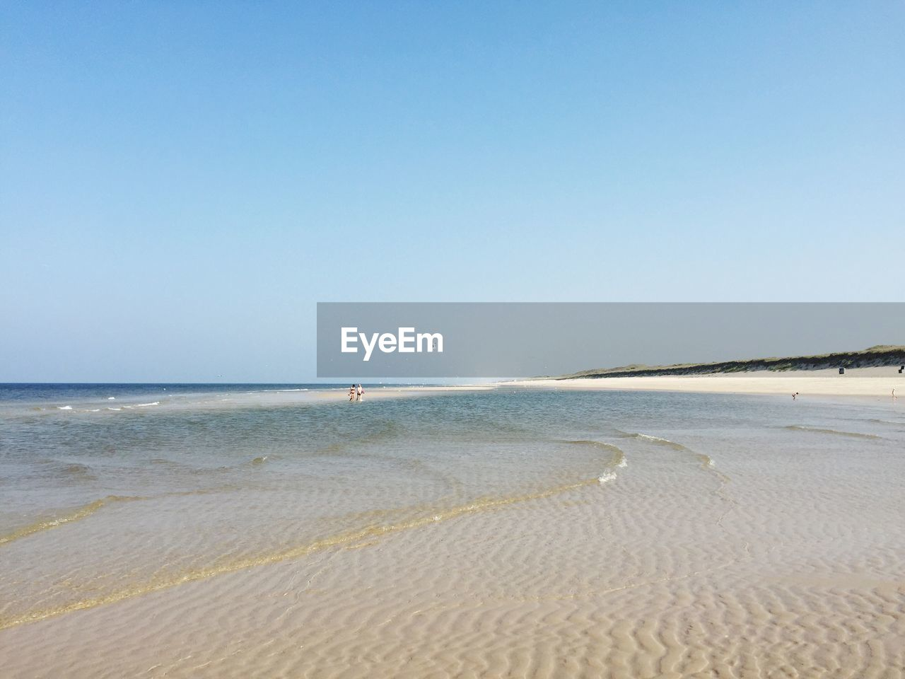 beach, sea, sand, water, nature, shore, tranquility, clear sky, beauty in nature, copy space, scenics, tranquil scene, horizon over water, outdoors, wave, summer, no people, blue, holiday, tide, day, sky