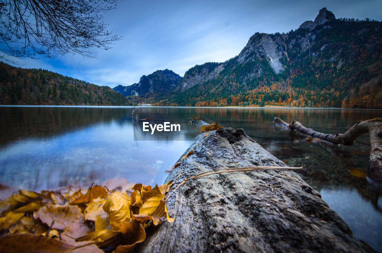 Long exposure in autumn on an alp lake