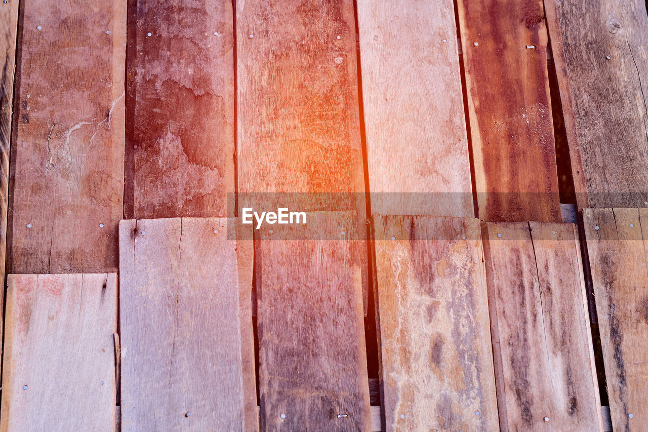 wood - material, backgrounds, full frame, pattern, no people, brown, wood, textured, indoors, close-up, day, wood grain, plank, flooring, design, rustic, in a row, architecture, abstract