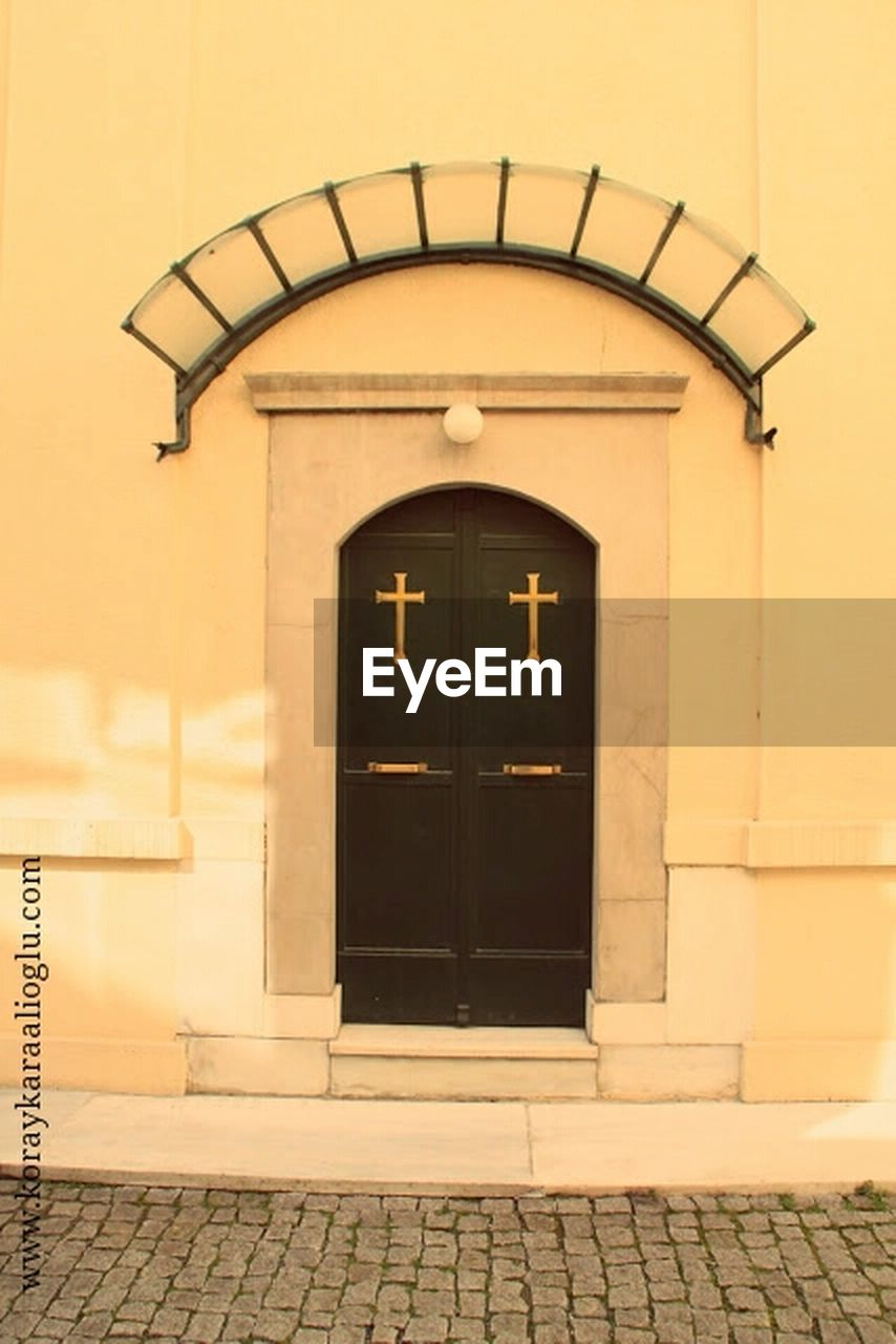door, architecture, entrance, built structure, building exterior, no people, arch, outdoors, day