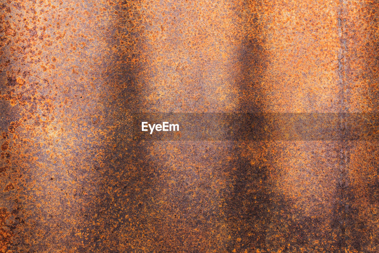 backgrounds, full frame, textured, pattern, close-up, no people, metal, rusty, brown, old, indoors, abstract backgrounds, textile, abstract, weathered, day, orange color, wall - building feature, rough, sheet metal, textured effect, corrugated