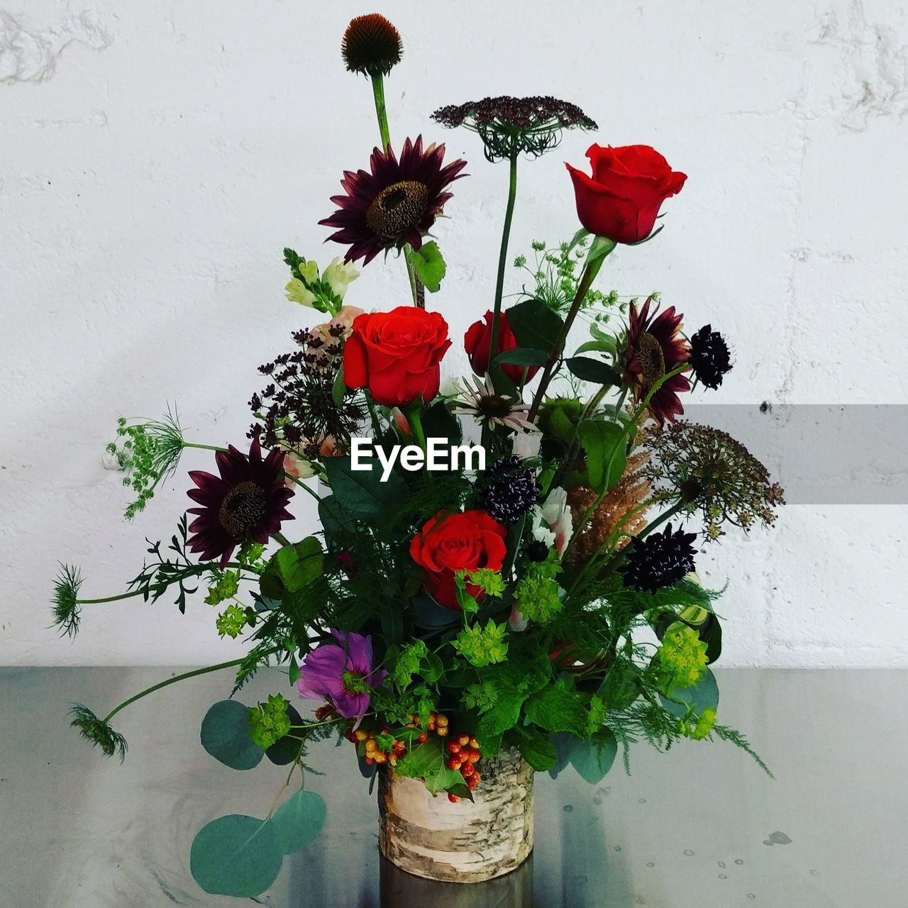 flower, growth, plant, nature, beauty in nature, fragility, red, freshness, potted plant, no people, petal, vase, leaf, multi colored, blooming, indoors, flower head, close-up, day