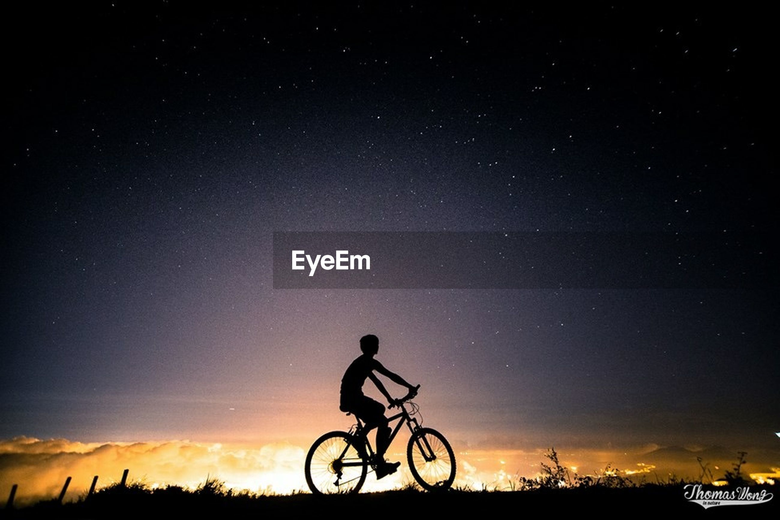 bicycle, transportation, mode of transport, land vehicle, silhouette, riding, cycling, sky, stationary, men, parking, parked, leisure activity, lifestyles, travel, side view, tranquility, full length