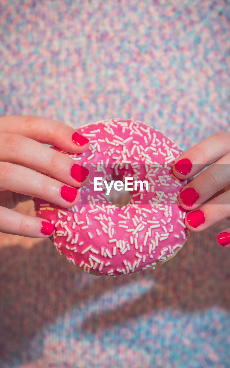 human hand, hand, human body part, body part, holding, food and drink, human finger, finger, food, one person, real people, close-up, nail, nail polish, sweet, women, red, adult, sweet food, temptation, human limb