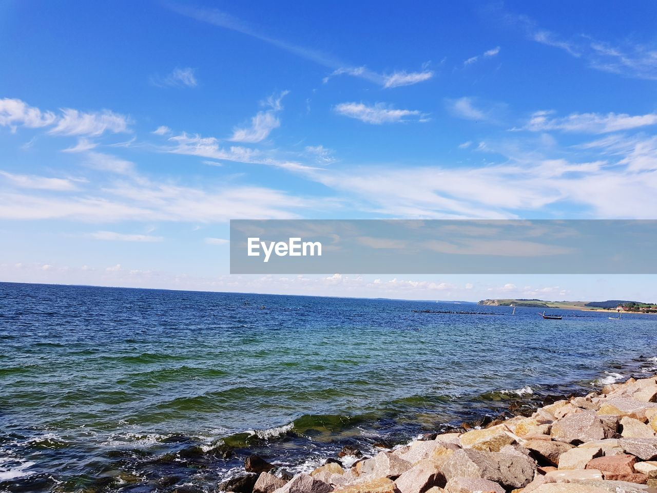 sea, sky, water, beauty in nature, scenics, nature, blue, tranquil scene, tranquility, horizon over water, cloud - sky, outdoors, sunlight, day, no people, beach, wave