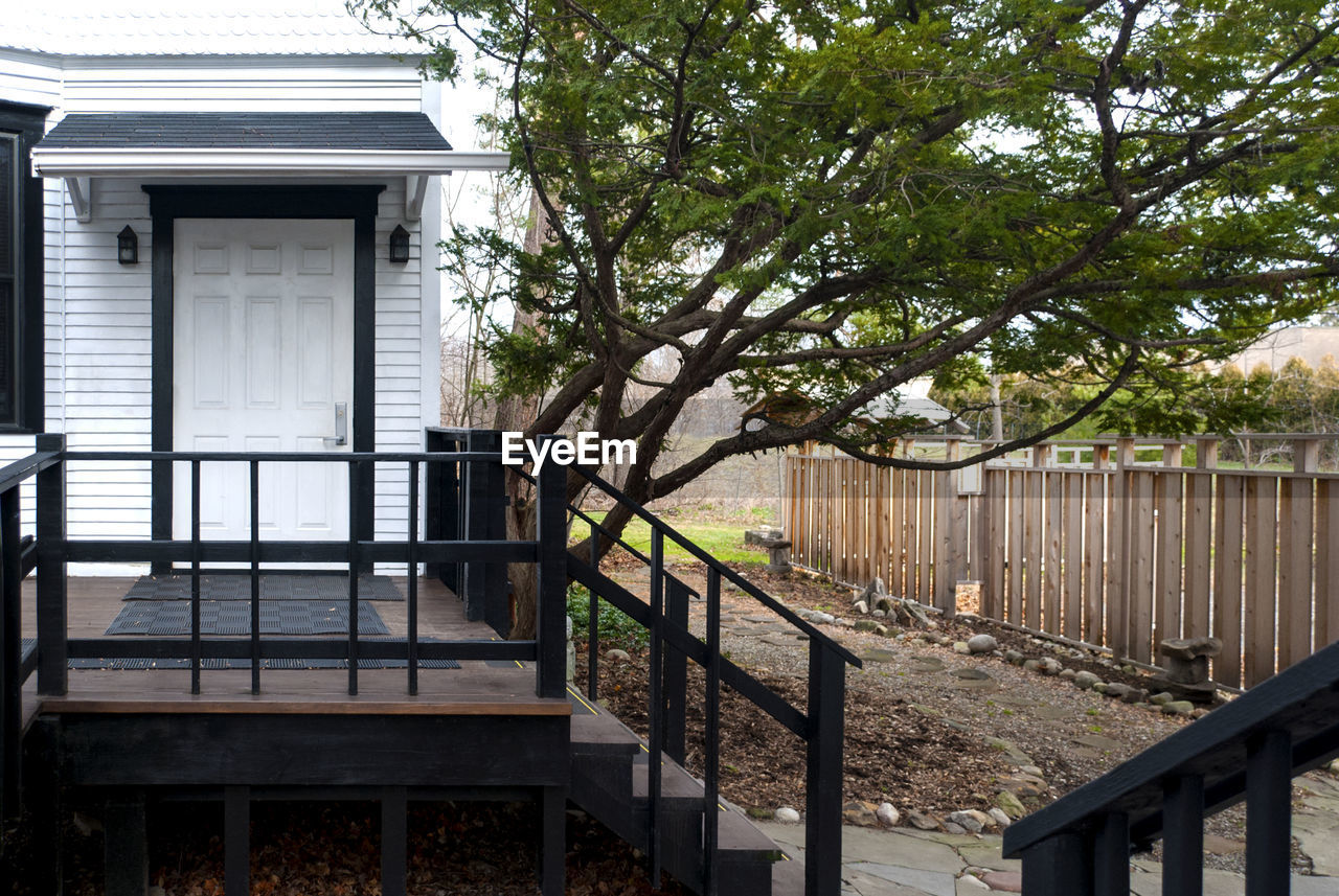 architecture, built structure, railing, building exterior, tree, house, day, outdoors, no people, wood - material, nature