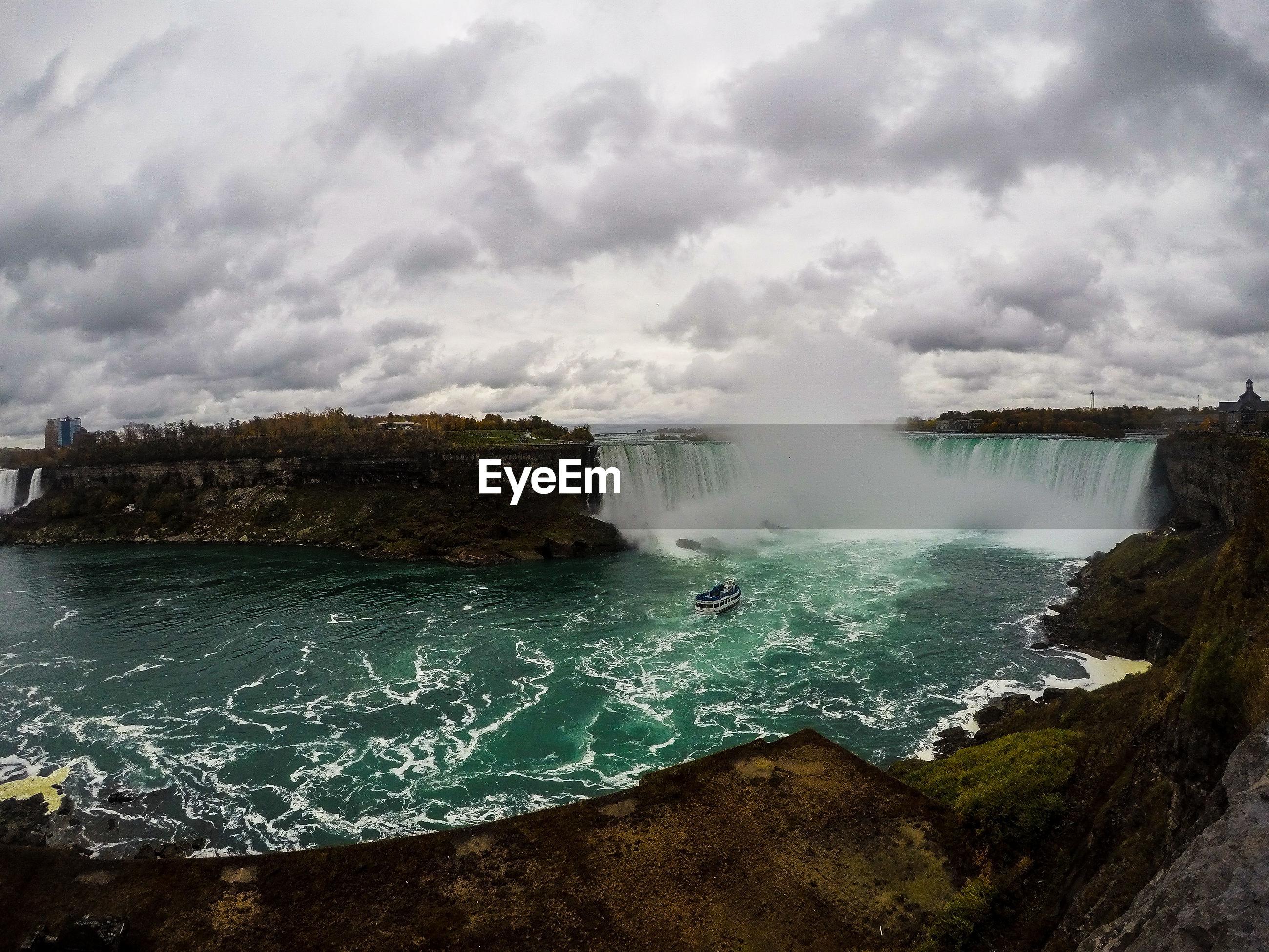 PANORAMIC SHOT OF SEA AGAINST SKY