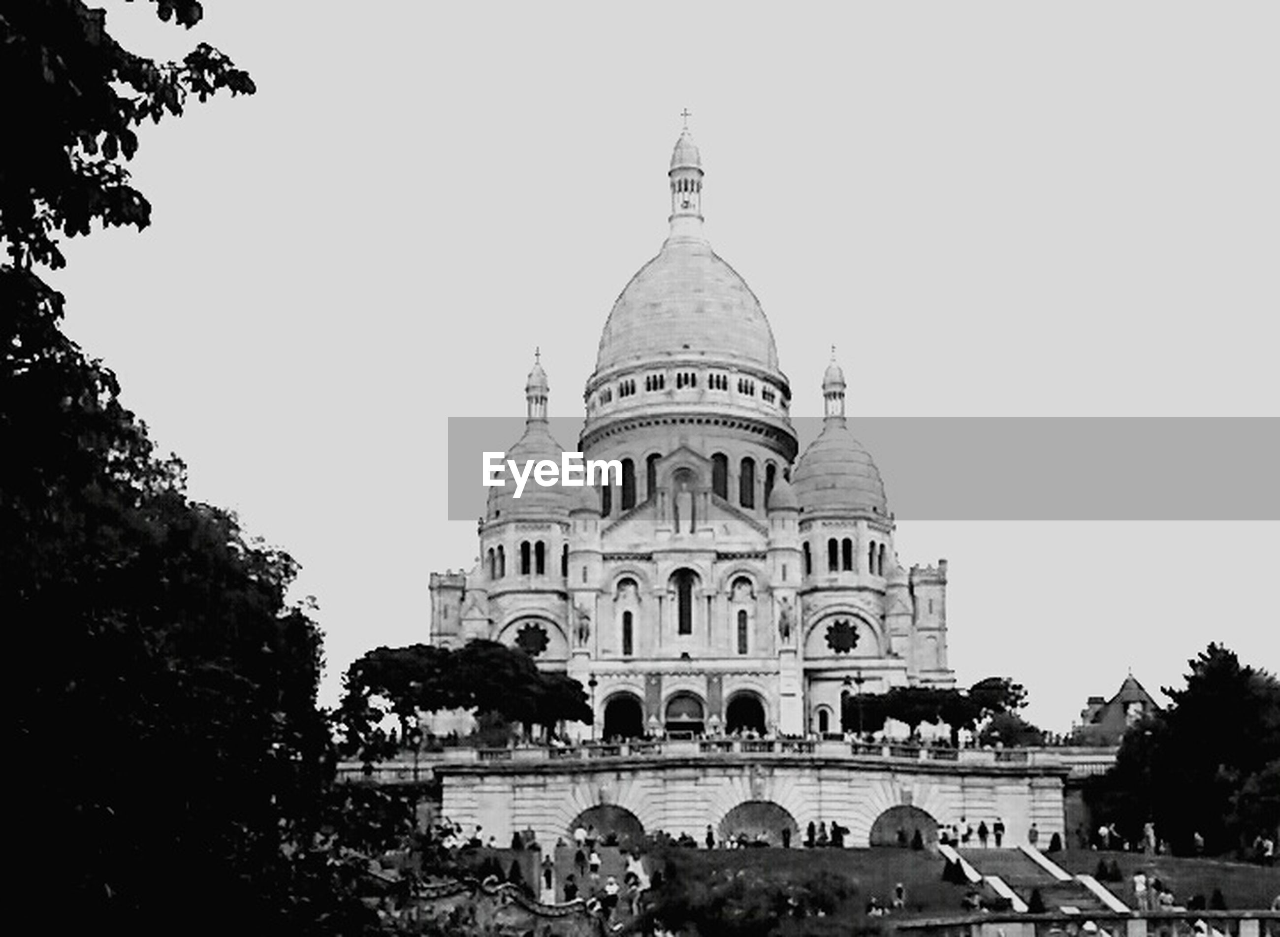 architecture, building exterior, dome, tree, city, travel, travel destinations, sky, built structure, low angle view, outdoors, place of worship, no people, day, cultures
