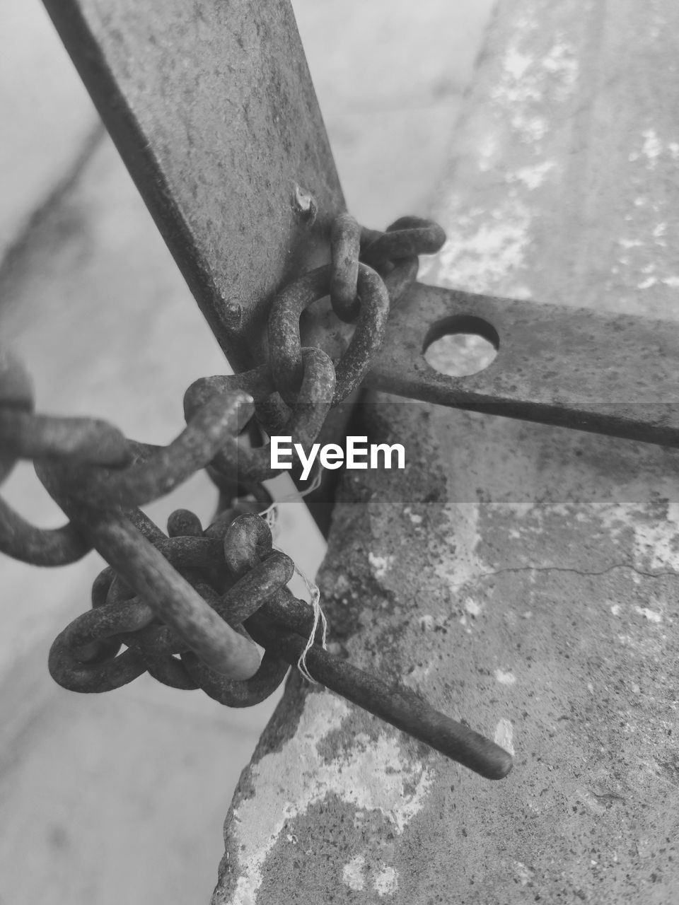 metal, rusty, padlock, close-up, security, chain, no people, lock, safety, outdoors, day, strength, focus on foreground, love lock