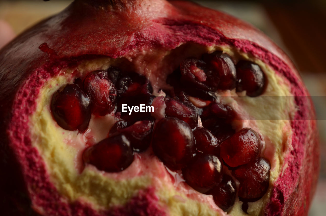food and drink, food, fruit, pomegranate, close-up, freshness, still life, pomegranate seed, healthy eating, seed, focus on foreground, indoors, no people, red, ready-to-eat, day