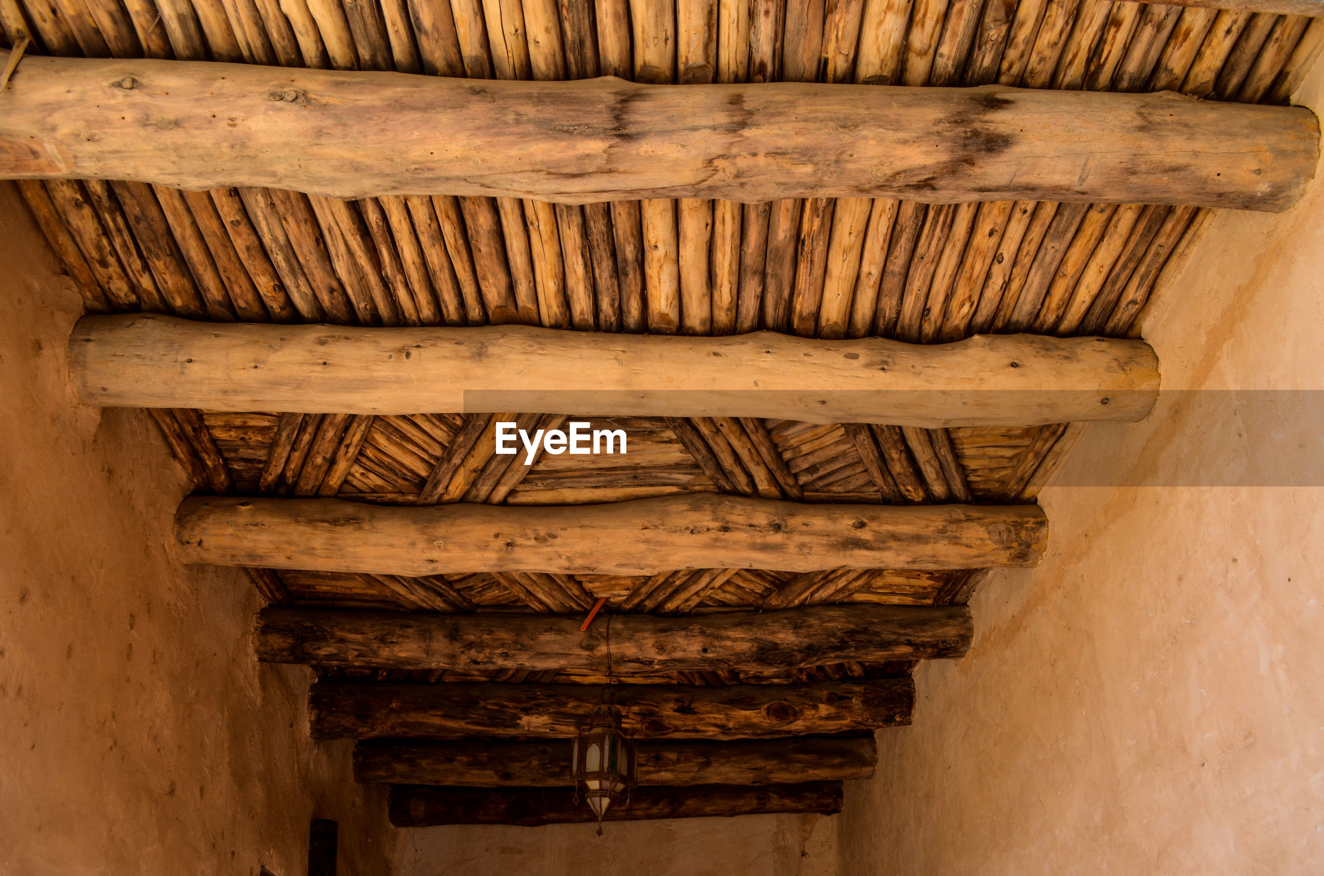 LOW ANGLE VIEW OF OLD BUILDING CEILING