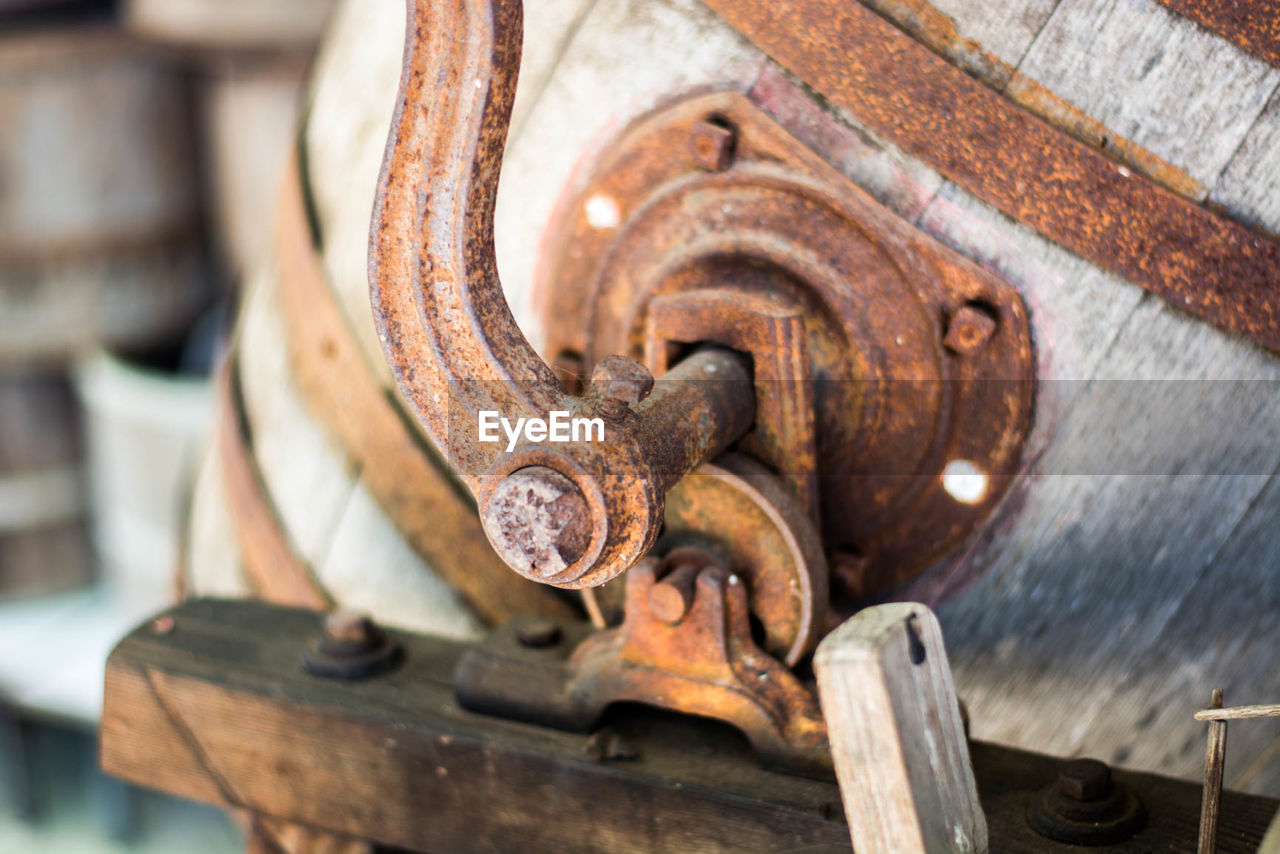 metal, rusty, close-up, no people, old-fashioned, day, indoors