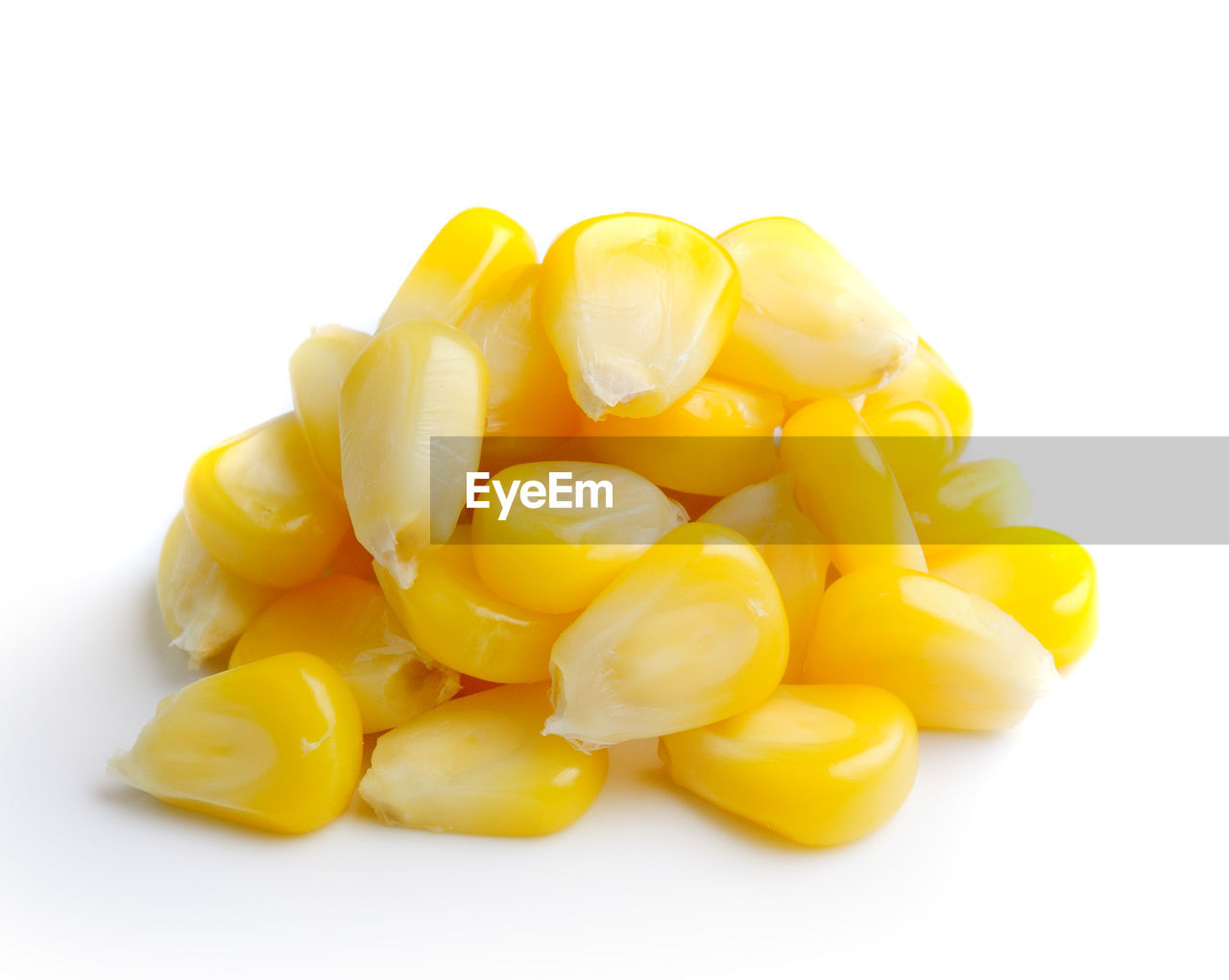 white background, yellow, studio shot, close-up, food, still life, food and drink, indoors, freshness, no people, cut out, healthy eating, wellbeing, copy space, vegetable, group of objects, group, pepper, yellow bell pepper, large group of objects, snack