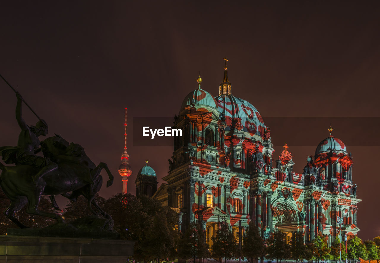 architecture, built structure, religion, building exterior, place of worship, dome, sky, belief, building, night, spirituality, illuminated, tourism, nature, travel destinations, no people, travel, city, low angle view, outdoors