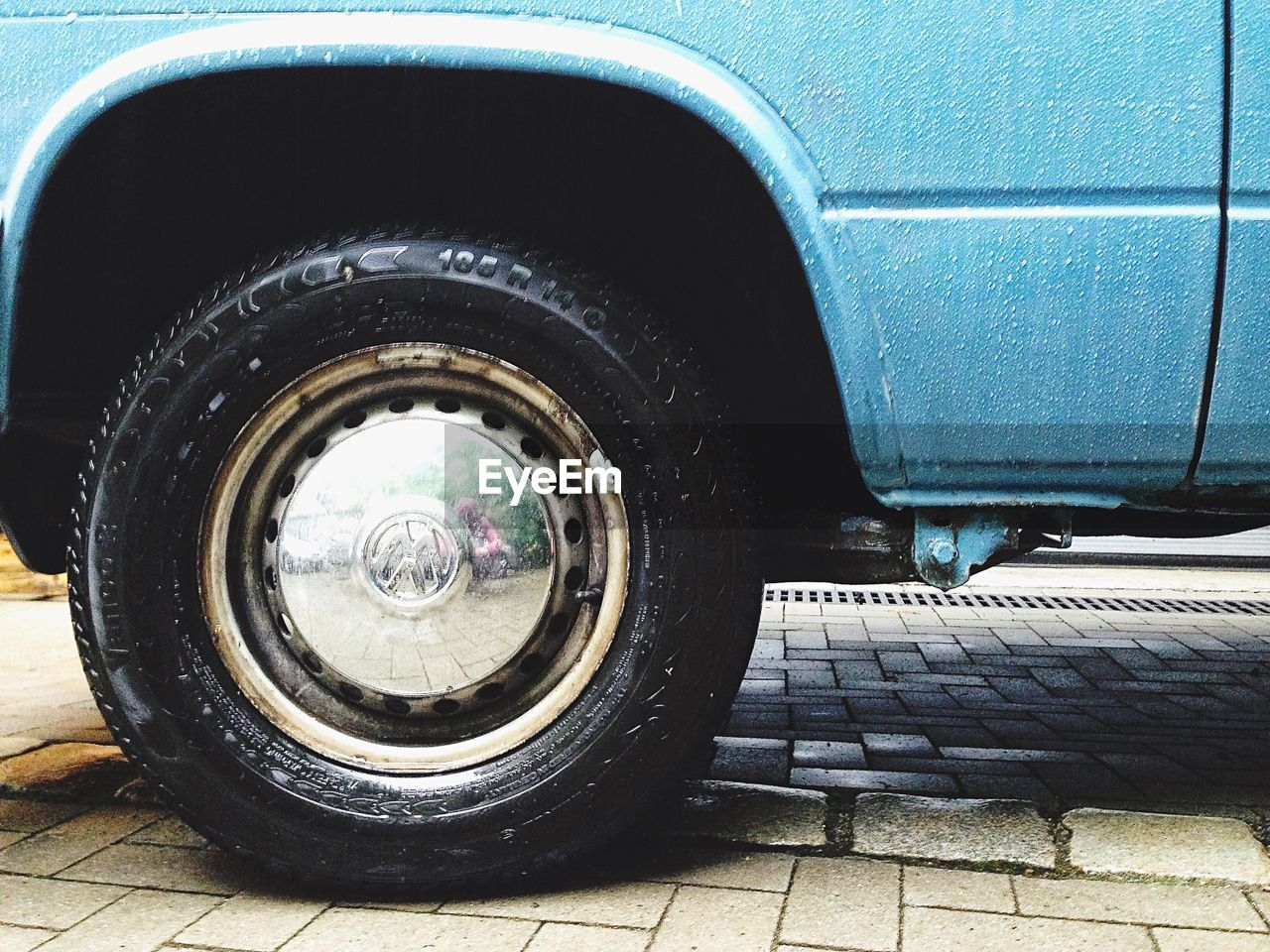 tire, transportation, wheel, mode of transport, stationary, no people, day, land vehicle, outdoors, close-up