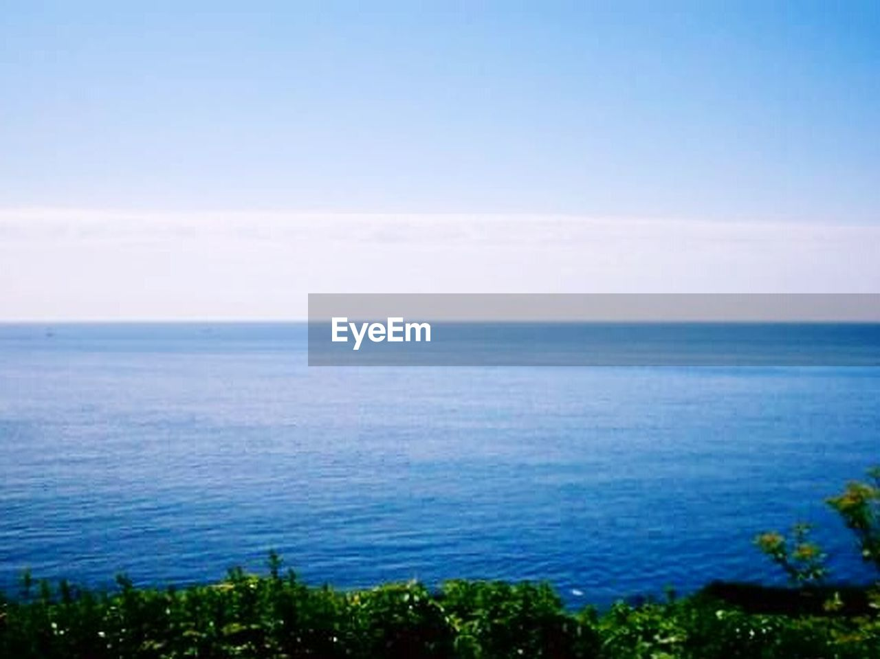 sea, horizon over water, nature, scenics, tranquil scene, sky, blue, water, tranquility, no people, outdoors, beauty in nature, day, cloud - sky, horizon, beach