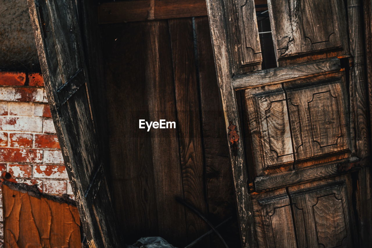 wood - material, architecture, abandoned, built structure, no people, door, day, damaged, building exterior, bad condition, outdoors, close-up