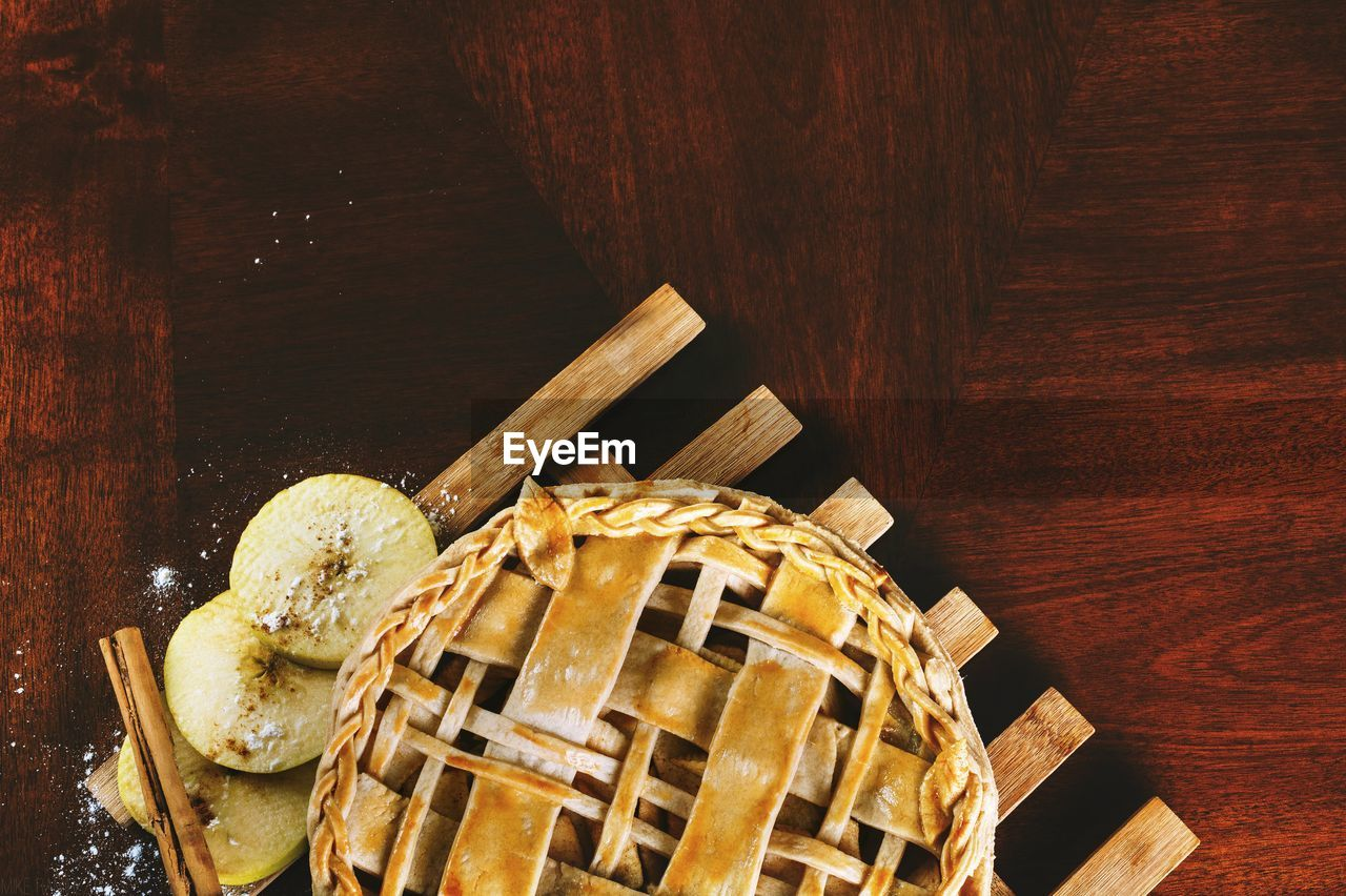 Directly above shot of pie on wooden table