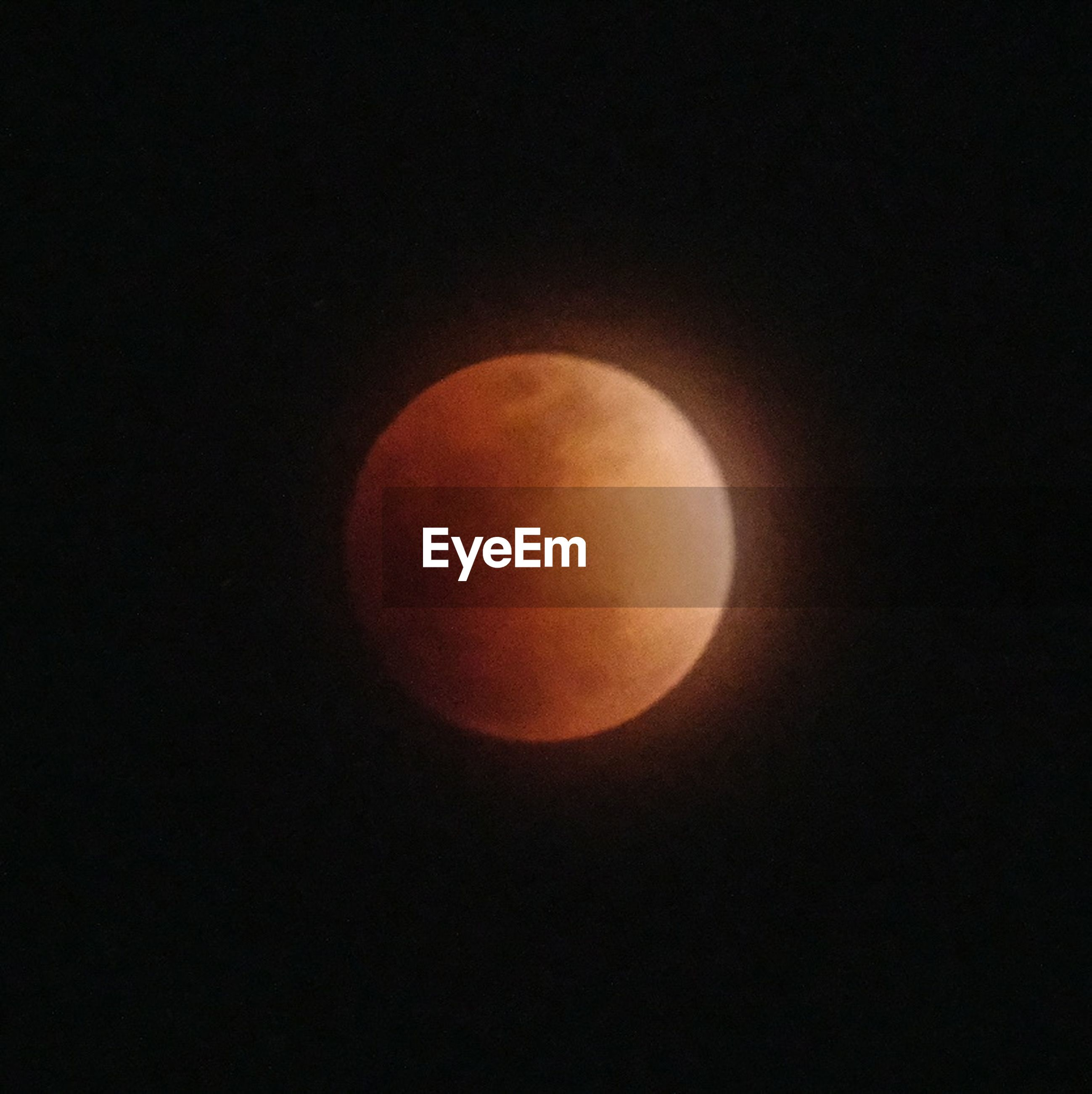 moon, beauty in nature, astronomy, nature, circle, scenics, planetary moon, moon surface, night, eclipse, tranquil scene, copy space, no people, tranquility, low angle view, outdoors, clear sky, sky, space