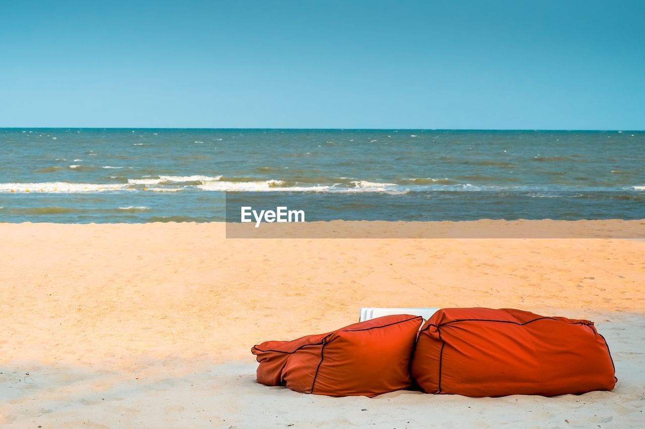 Beach Bean Bags South East Asia Thailand Holidays Holiday Holiday Background Waves Ocean Beachphotography Beach Life Sea Beach Land Sky Horizon Horizon Over Water Water Sand Scenics - Nature Tranquility Relaxation Holiday Vacations Nature Wave Copy Space Beauty In Nature Outdoors Clear Sky Trip