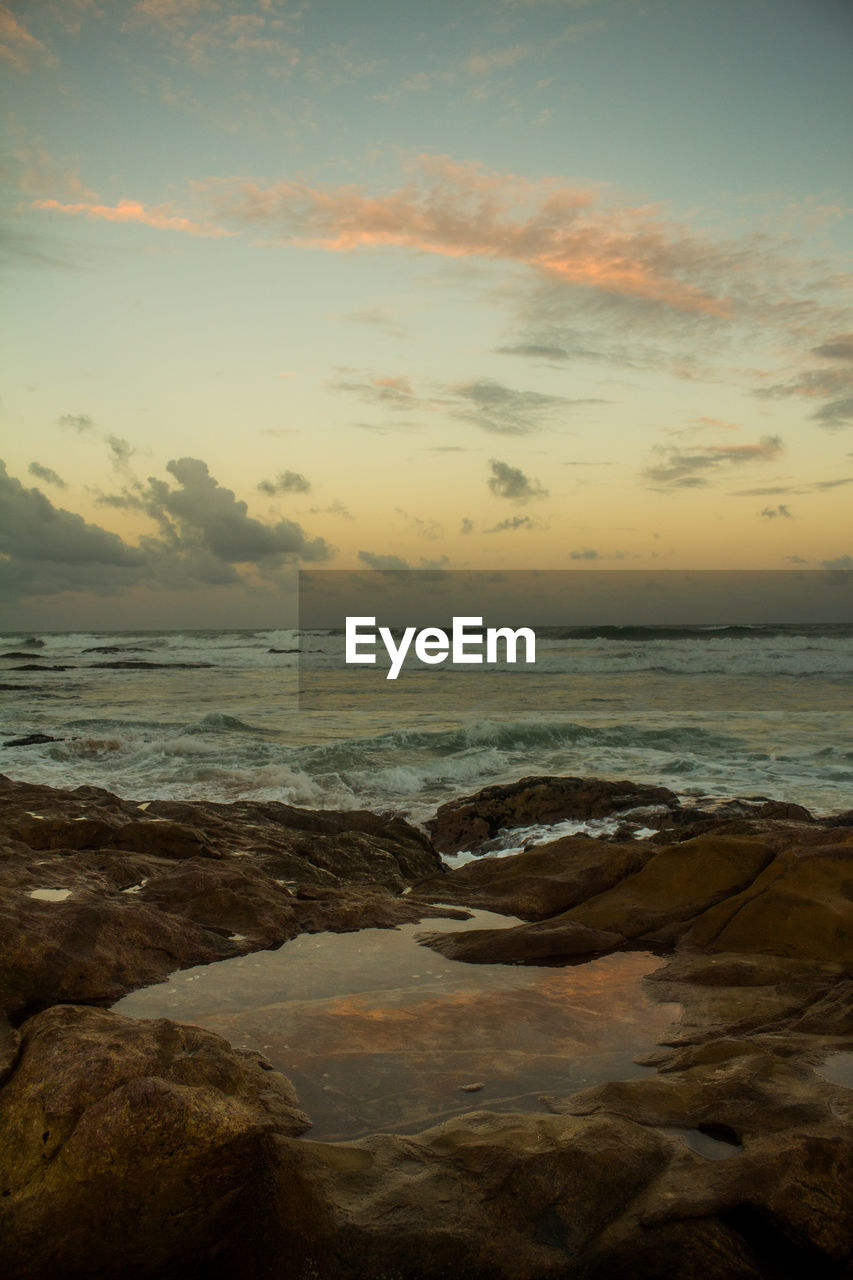 sea, nature, beauty in nature, sunset, sky, scenics, water, tranquility, tranquil scene, cloud - sky, beach, horizon over water, no people, outdoors, wave, scenery, day