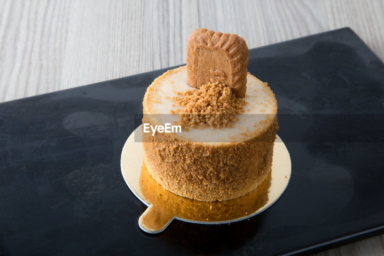 Close-up of cake in tray on table