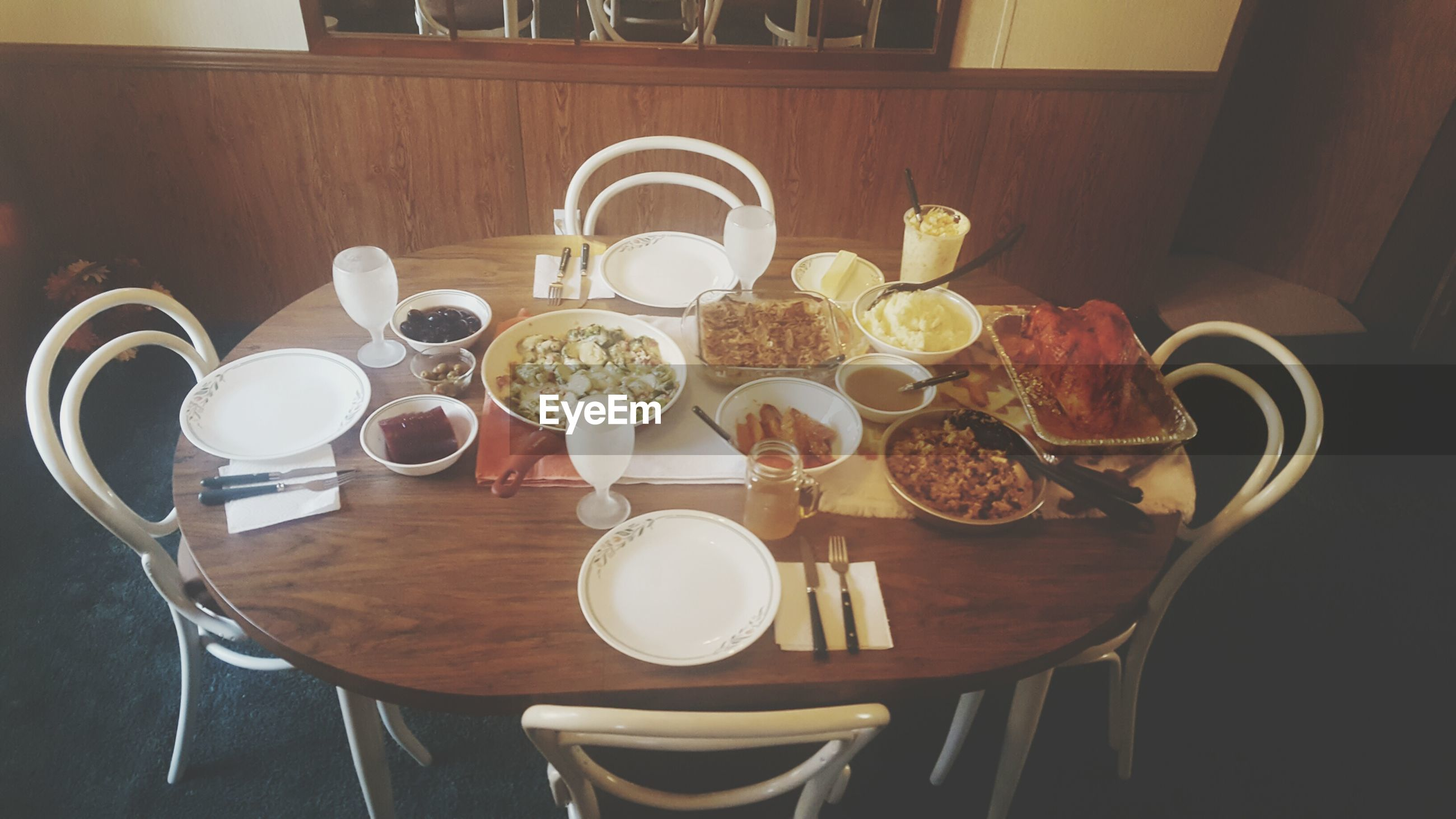 table, plate, indoors, food and drink, no people, drinking glass, breakfast, food, home interior, healthy eating, freshness, drink, ready-to-eat, day