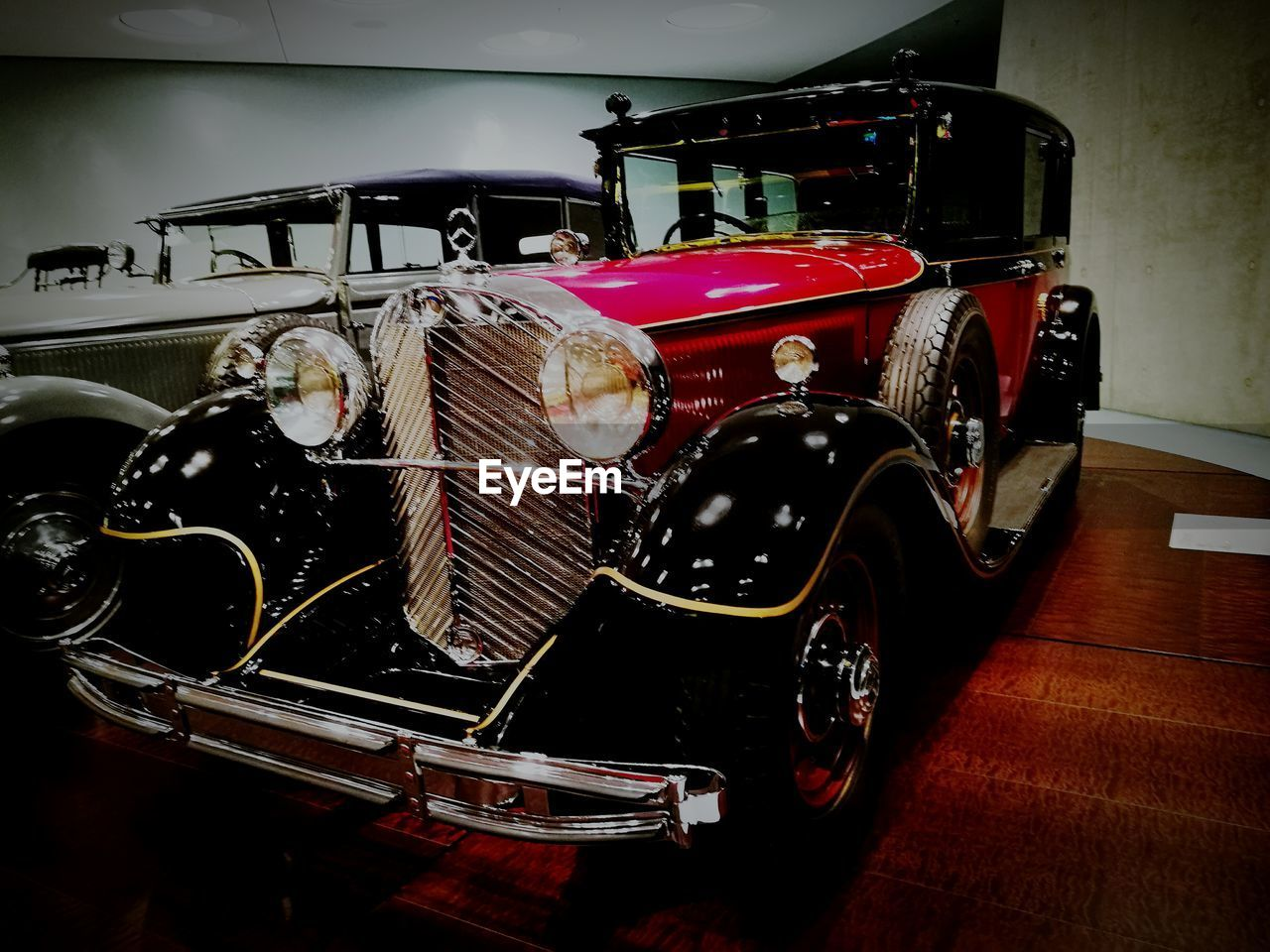 land vehicle, transportation, mode of transport, old-fashioned, car, vintage, indoors, retro styled, no people, day