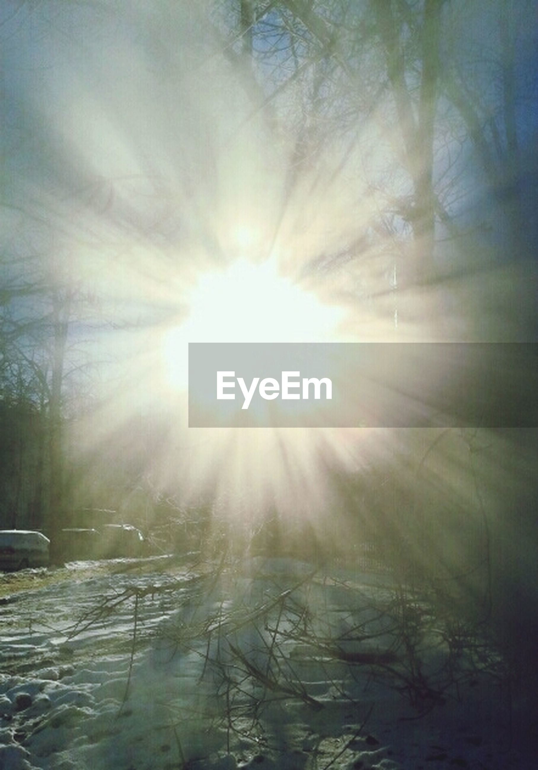 sun, sunbeam, lens flare, sunlight, water, bright, nature, tranquility, sunny, beauty in nature, sky, tranquil scene, scenics, reflection, outdoors, day, no people, shiny, idyllic, brightly lit