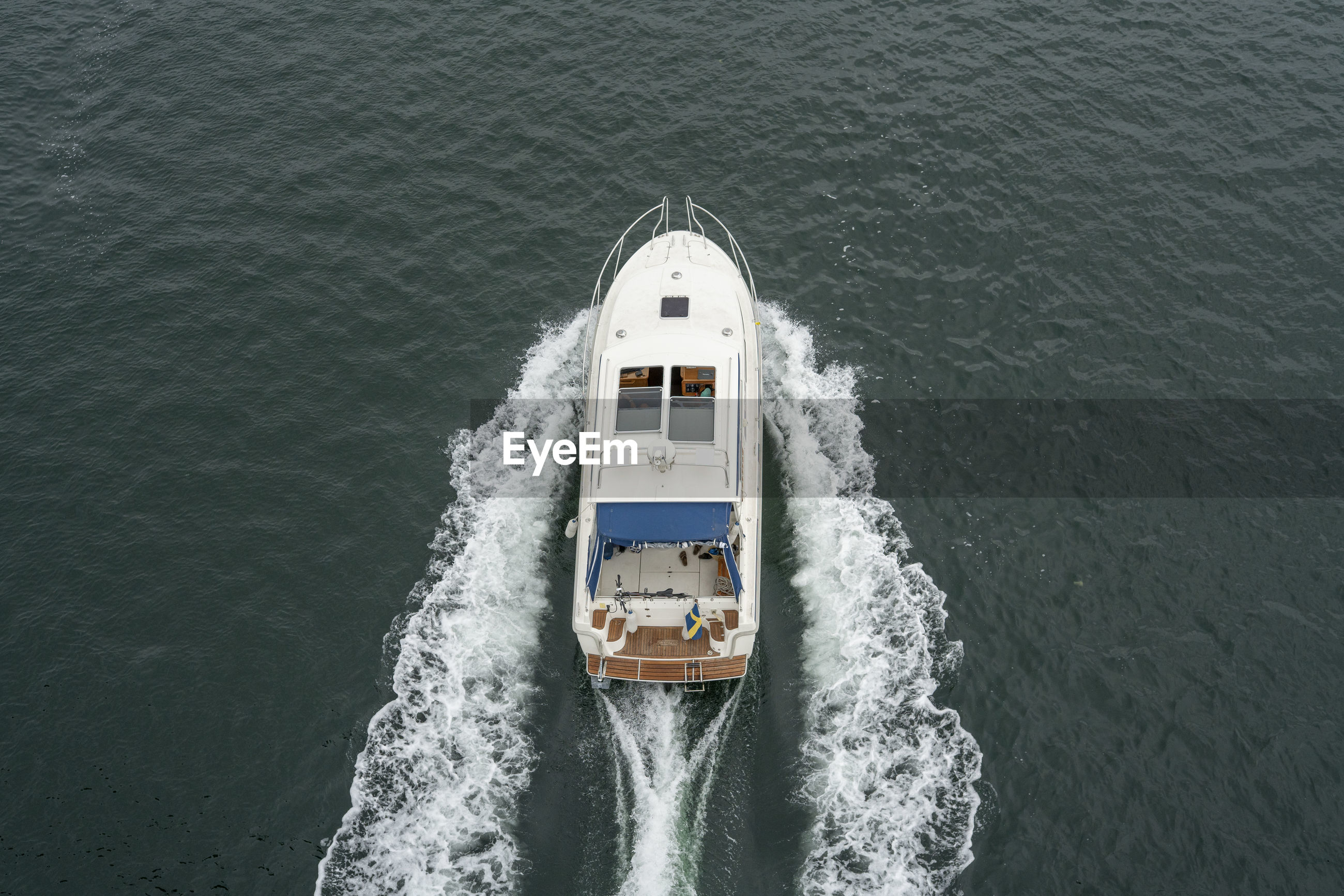 HIGH ANGLE VIEW OF SHIP ON SEA