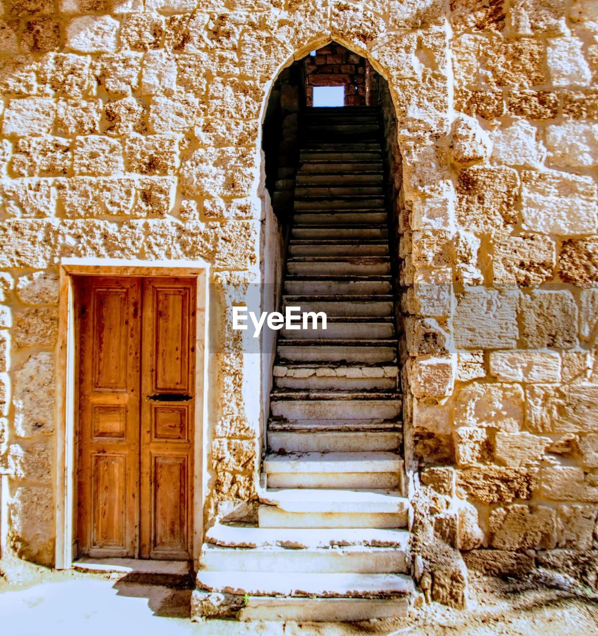 door, entrance, architecture, built structure, steps, doorway, building exterior, steps and staircases, no people, day, open door, entry, outdoors
