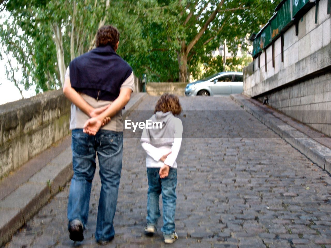 boys, child, rear view, childhood, full length, two people, standing, son, father, outdoors, real people, built structure, males, day, togetherness, people, children only, adult