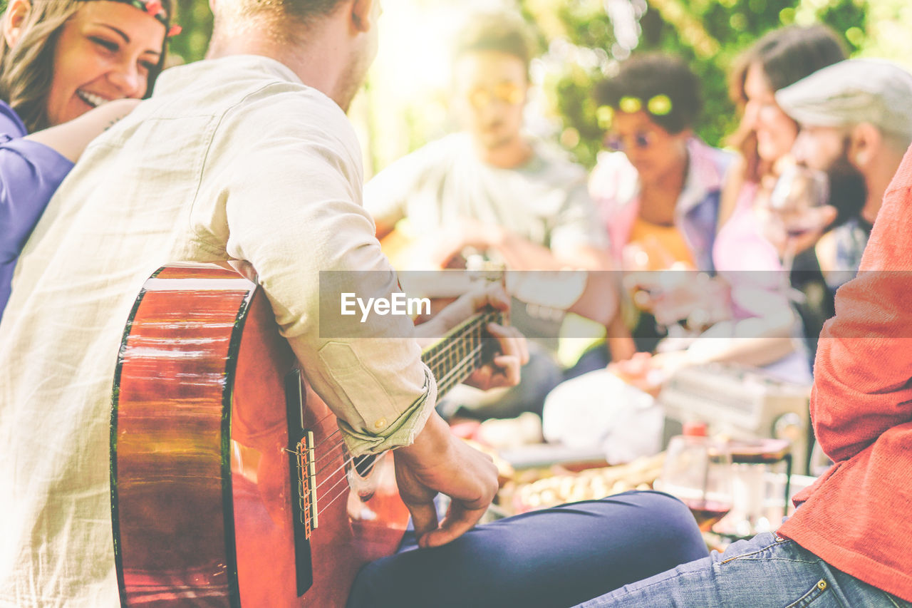 group of people, men, real people, music, arts culture and entertainment, musical instrument, group, day, leisure activity, performance, musician, people, lifestyles, playing, adult, event, artist, women, medium group of people, musical equipment
