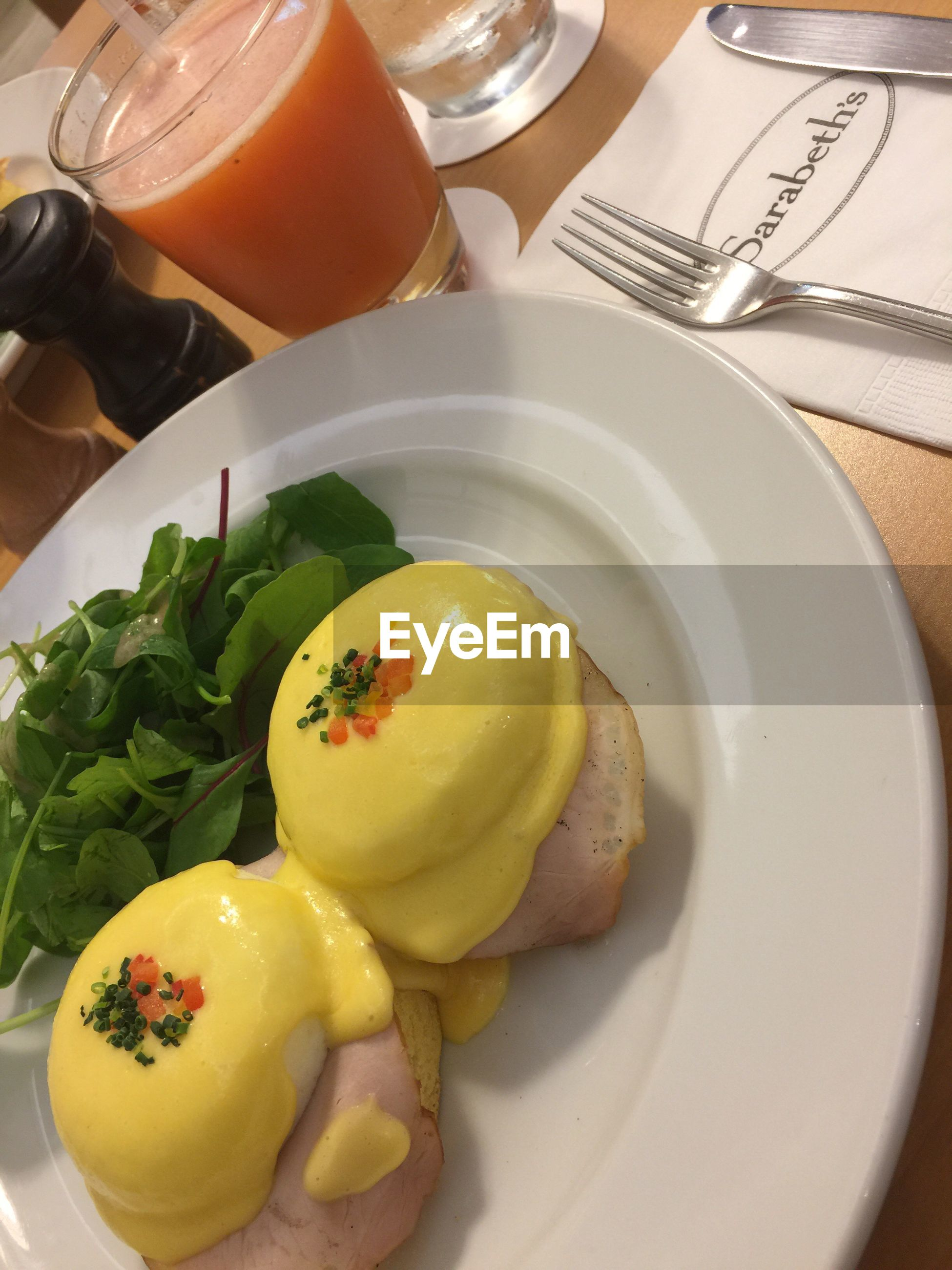 food and drink, plate, freshness, food, indoors, no people, breakfast, healthy eating, orange juice, poached, close-up, day, ready-to-eat