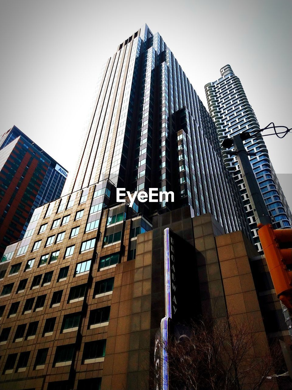 architecture, built structure, building exterior, low angle view, office building exterior, building, sky, city, skyscraper, tall - high, office, modern, no people, nature, clear sky, tower, day, outdoors, urban skyline, city life, apartment, financial district