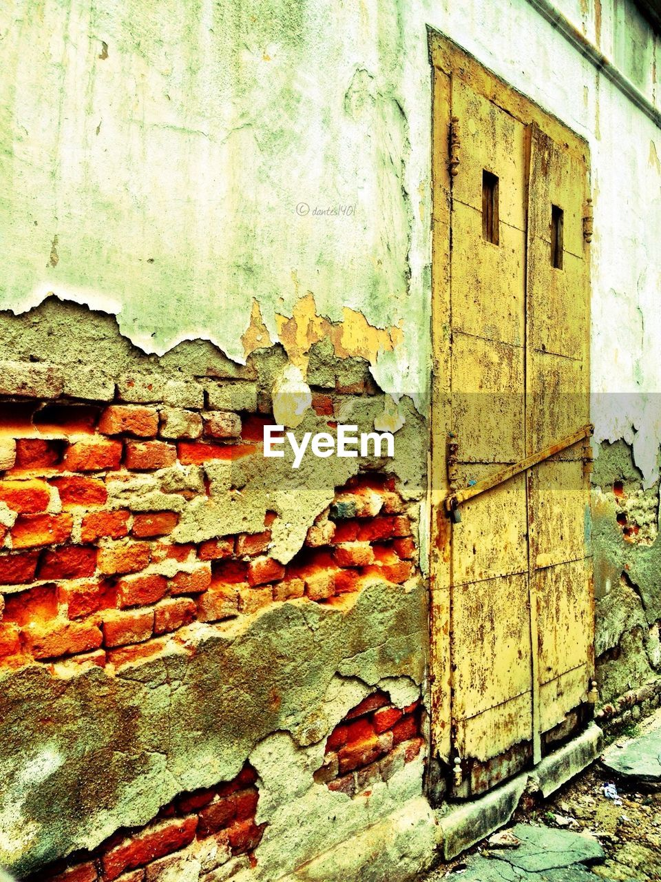 wall - building feature, weathered, architecture, built structure, building exterior, old, damaged, abandoned, brick wall, close-up, no people, textured, paint, day, destruction, bad condition, outdoors, rotting