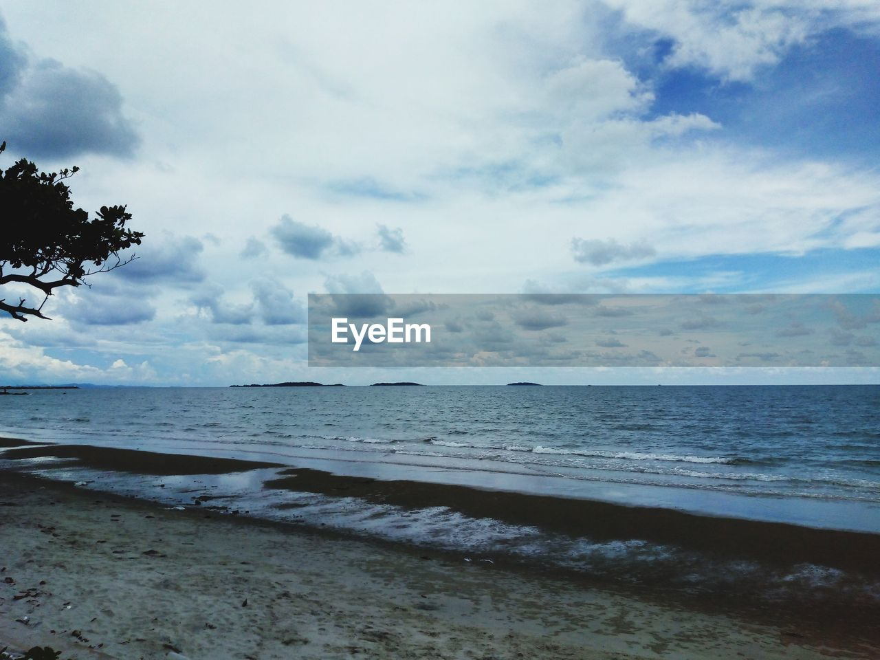 sea, water, beach, land, sky, beauty in nature, cloud - sky, tranquility, scenics - nature, horizon, horizon over water, tranquil scene, sand, nature, tree, no people, outdoors, day, non-urban scene