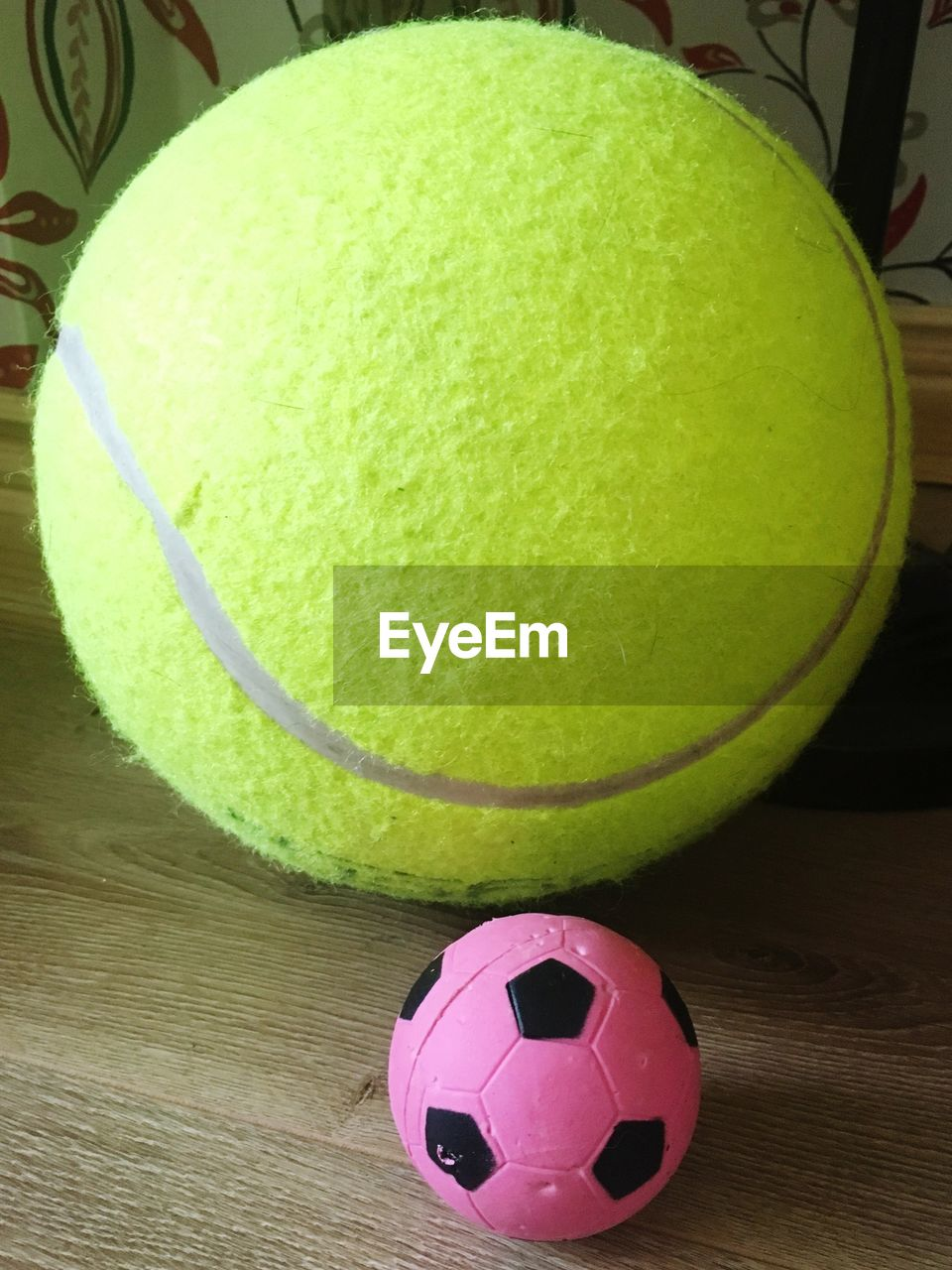 ball, still life, sport, table, indoors, tennis ball, no people, close-up, tennis, day, freshness