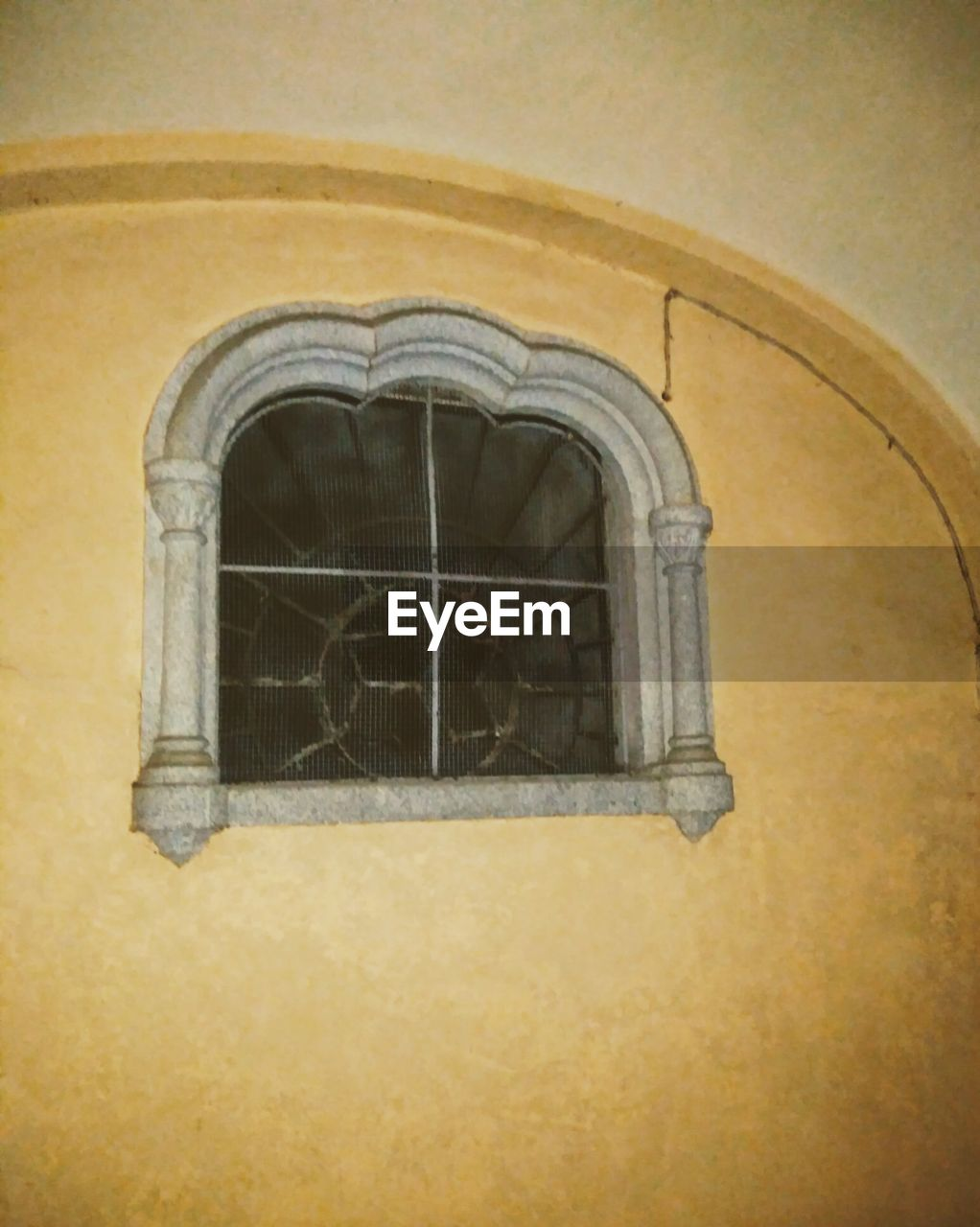 architecture, built structure, arch, building exterior, window, history, no people, indoors, day, close-up