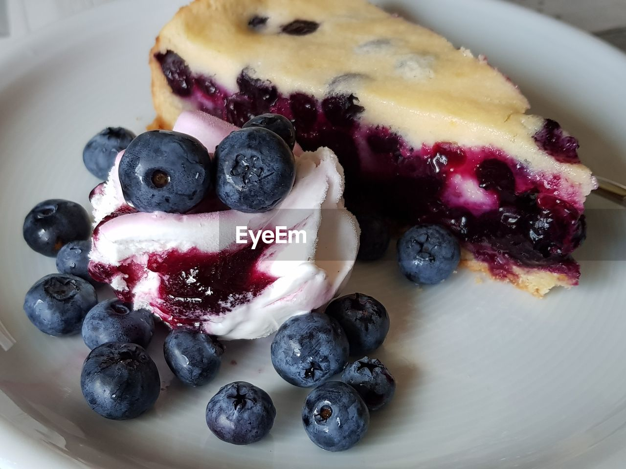 berry fruit, food, food and drink, blueberry, freshness, sweet food, fruit, healthy eating, indulgence, dessert, temptation, sweet, still life, ready-to-eat, close-up, indoors, no people, plate, serving size, baked, baked pastry item, breakfast, tart - dessert, snack