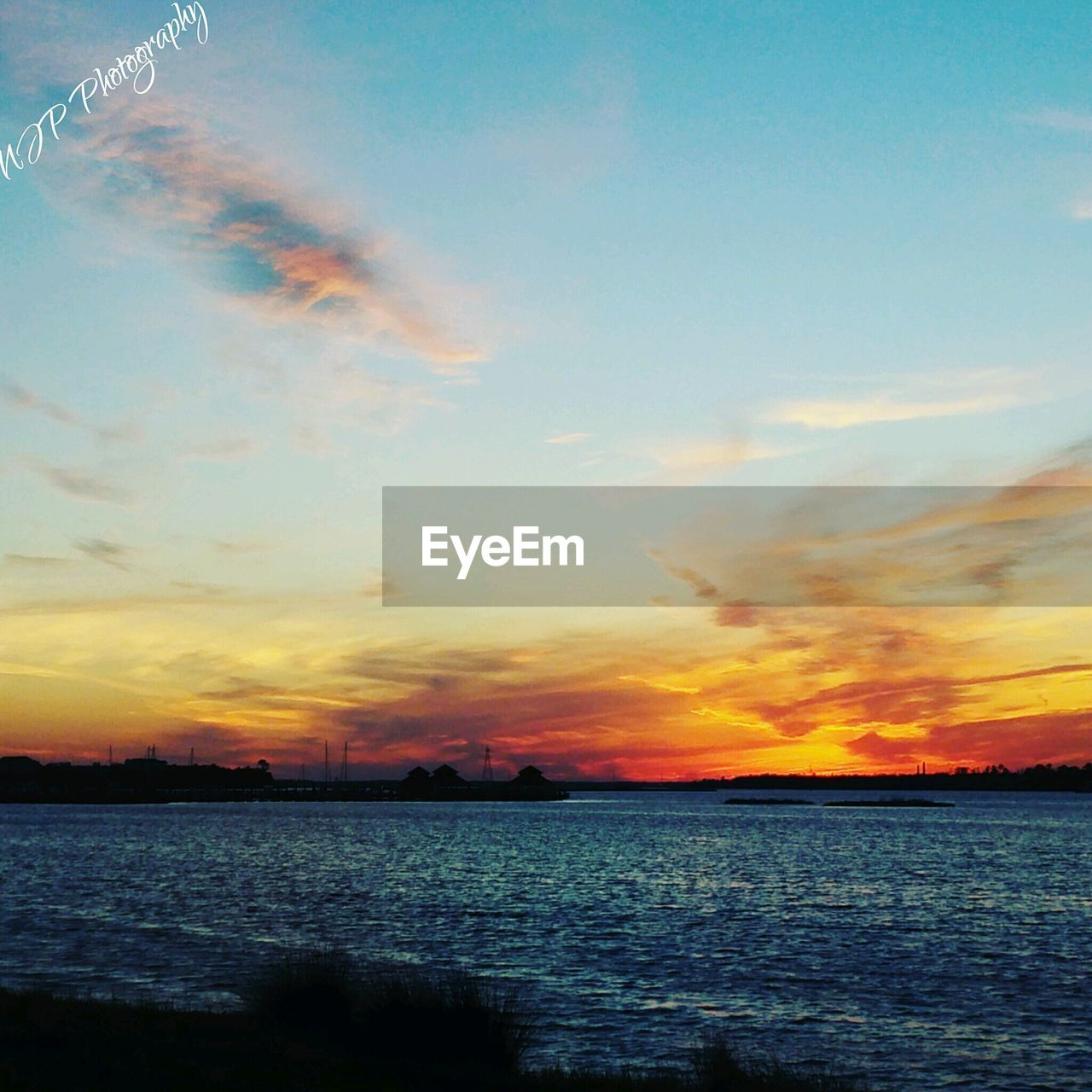 sunset, sky, scenics, cloud - sky, beauty in nature, tranquil scene, nature, sea, tranquility, water, no people, outdoors, idyllic, silhouette, horizon over water, day