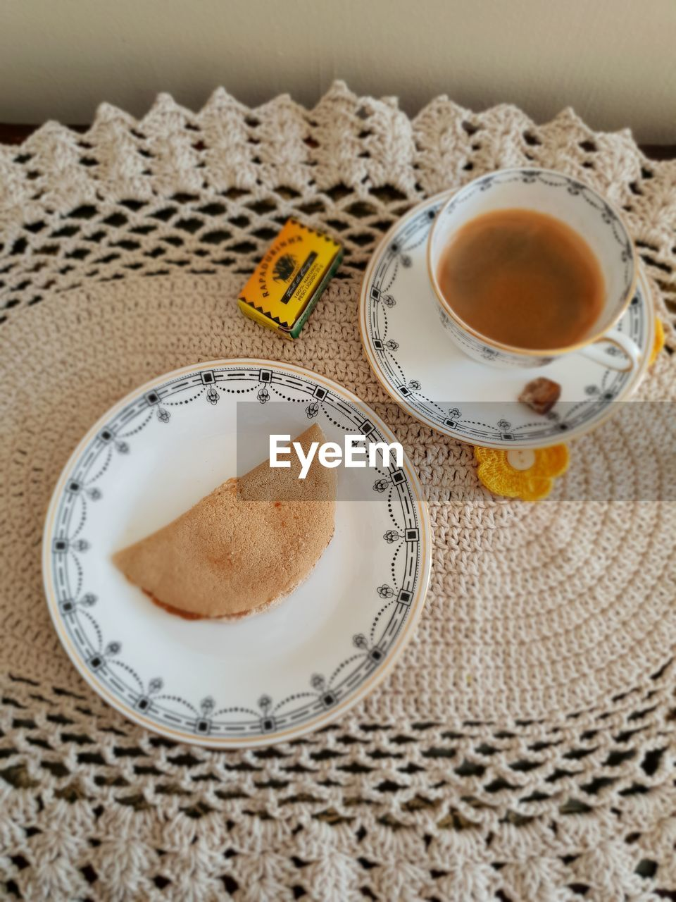 food and drink, drink, refreshment, mug, cup, coffee, indoors, still life, coffee - drink, food, freshness, coffee cup, tea, table, hot drink, close-up, high angle view, no people, tea - hot drink, plate, crockery, tea cup, non-alcoholic beverage, breakfast, place mat