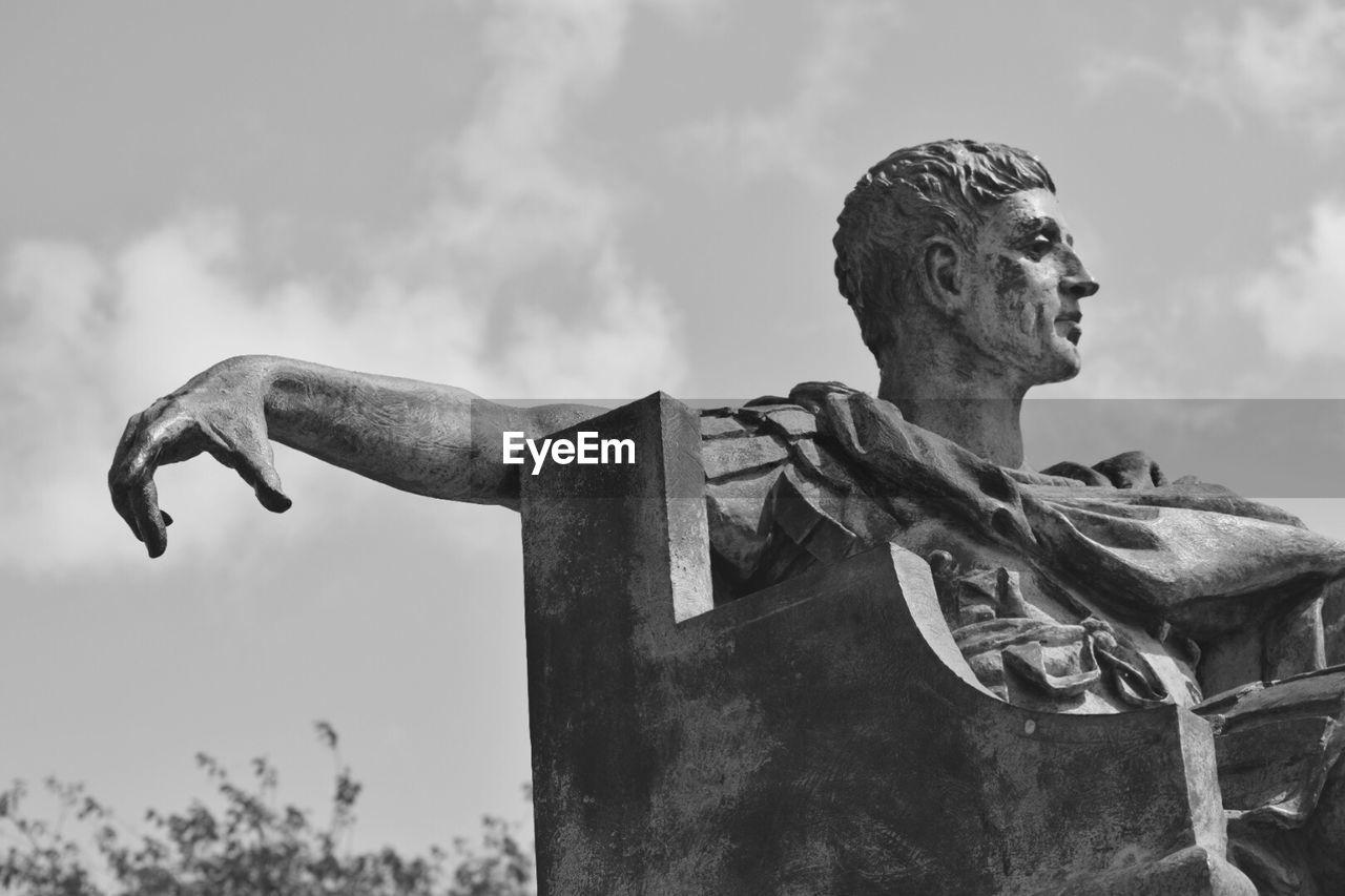 Sculpture Of Roman Emperor Constantine Against Sky