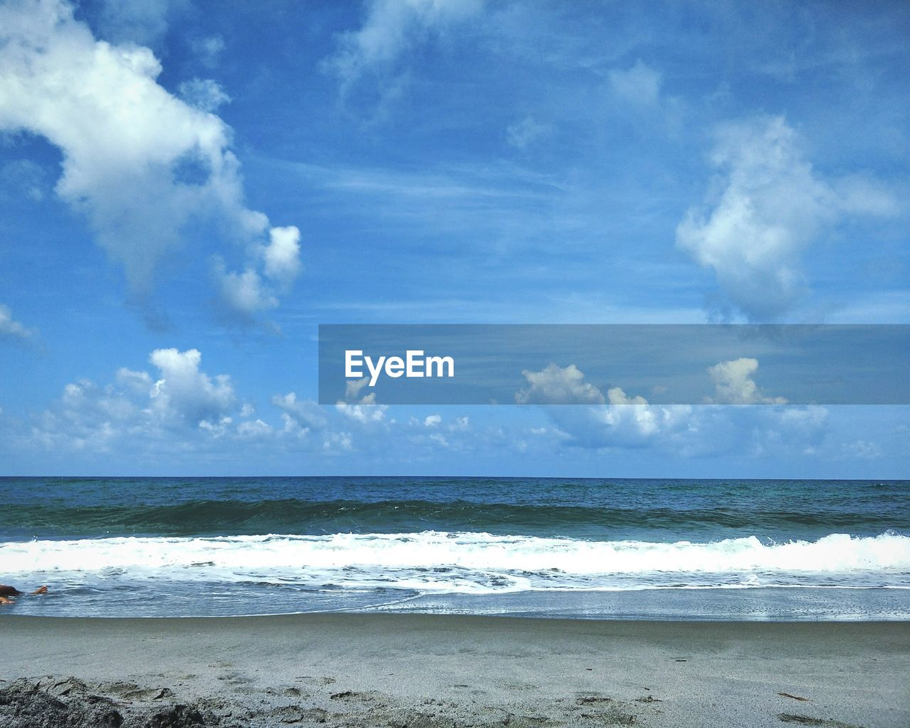 sea, horizon over water, beach, sky, water, nature, beauty in nature, scenics, cloud - sky, tranquility, wave, day, tranquil scene, sand, outdoors, no people, scenery